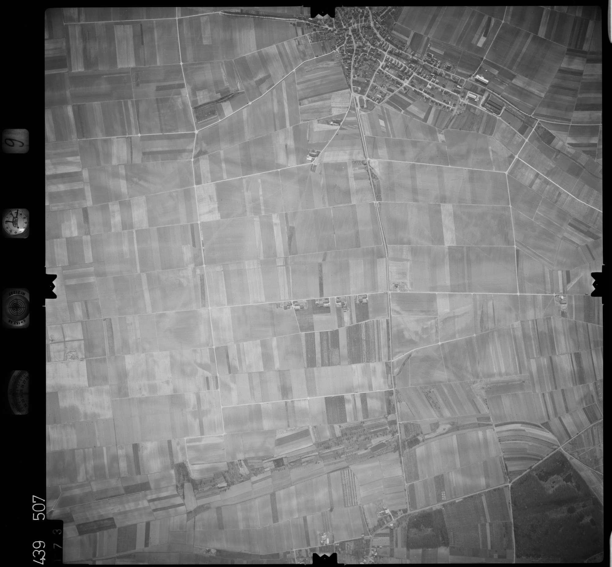 Luftbild: Film 9 Bildnr. 173, Bild 1