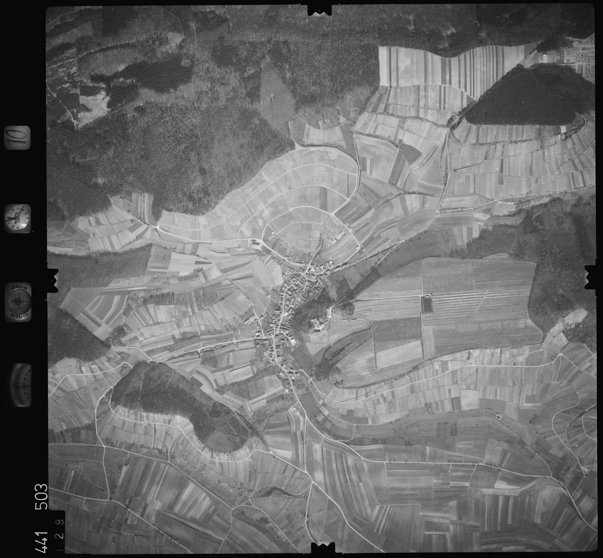 Luftbild: Film 10 Bildnr. 129, Bild 1