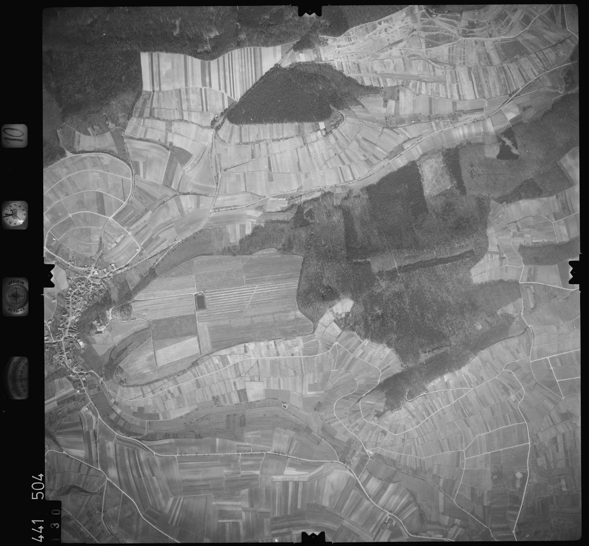 Luftbild: Film 10 Bildnr. 130, Bild 1