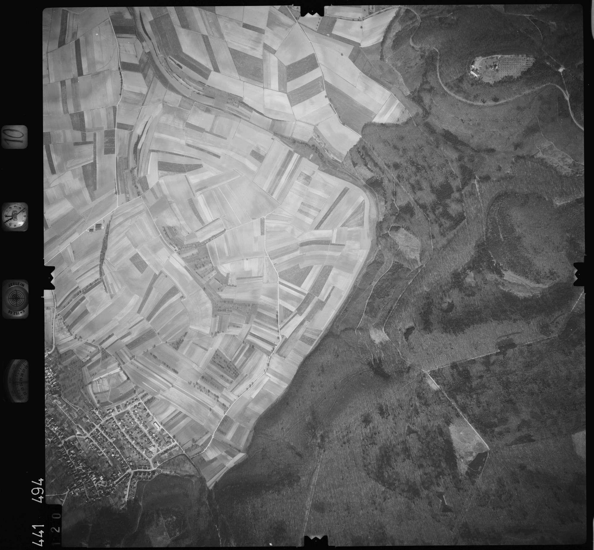 Luftbild: Film 10 Bildnr. 120, Bild 1