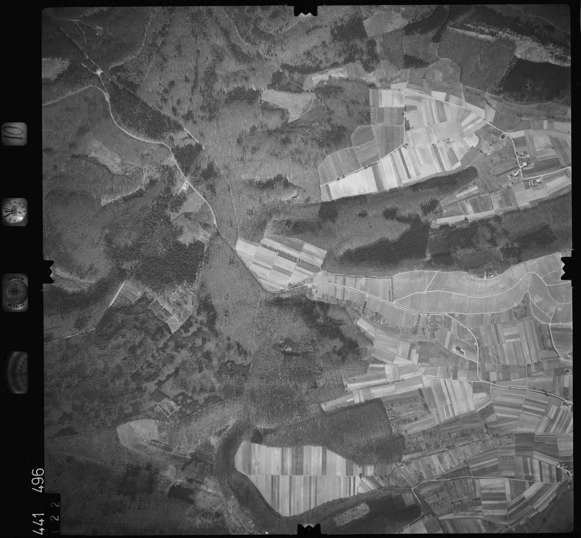 Luftbild: Film 10 Bildnr. 122, Bild 1