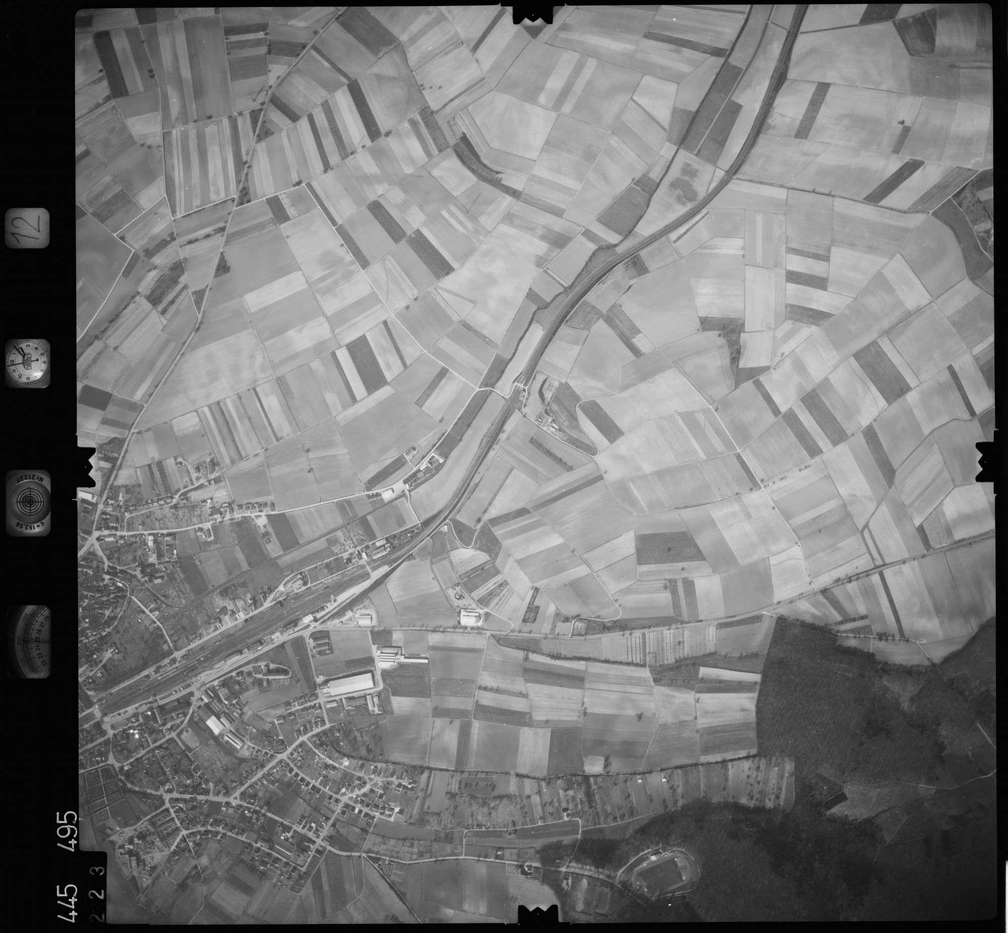Luftbild: Film 12 Bildnr. 223, Bild 1