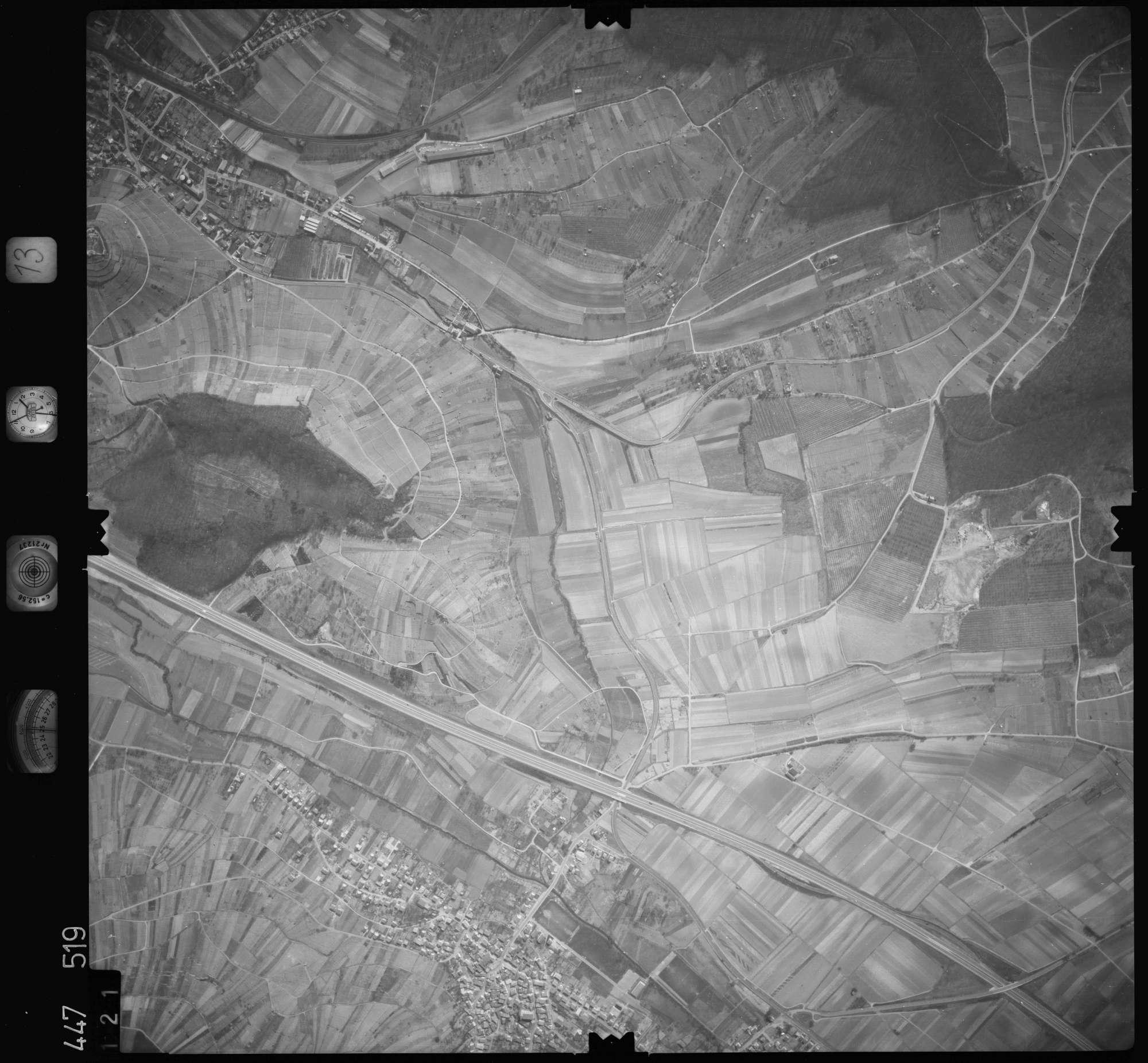 Luftbild: Film 13 Bildnr. 121, Bild 1