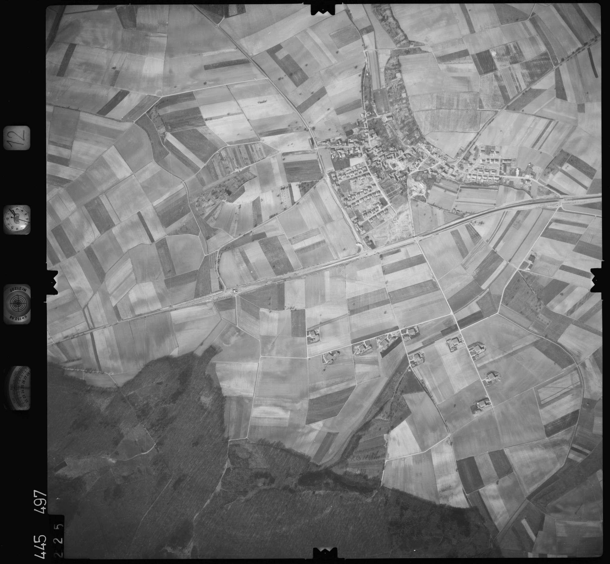 Luftbild: Film 12 Bildnr. 225, Bild 1