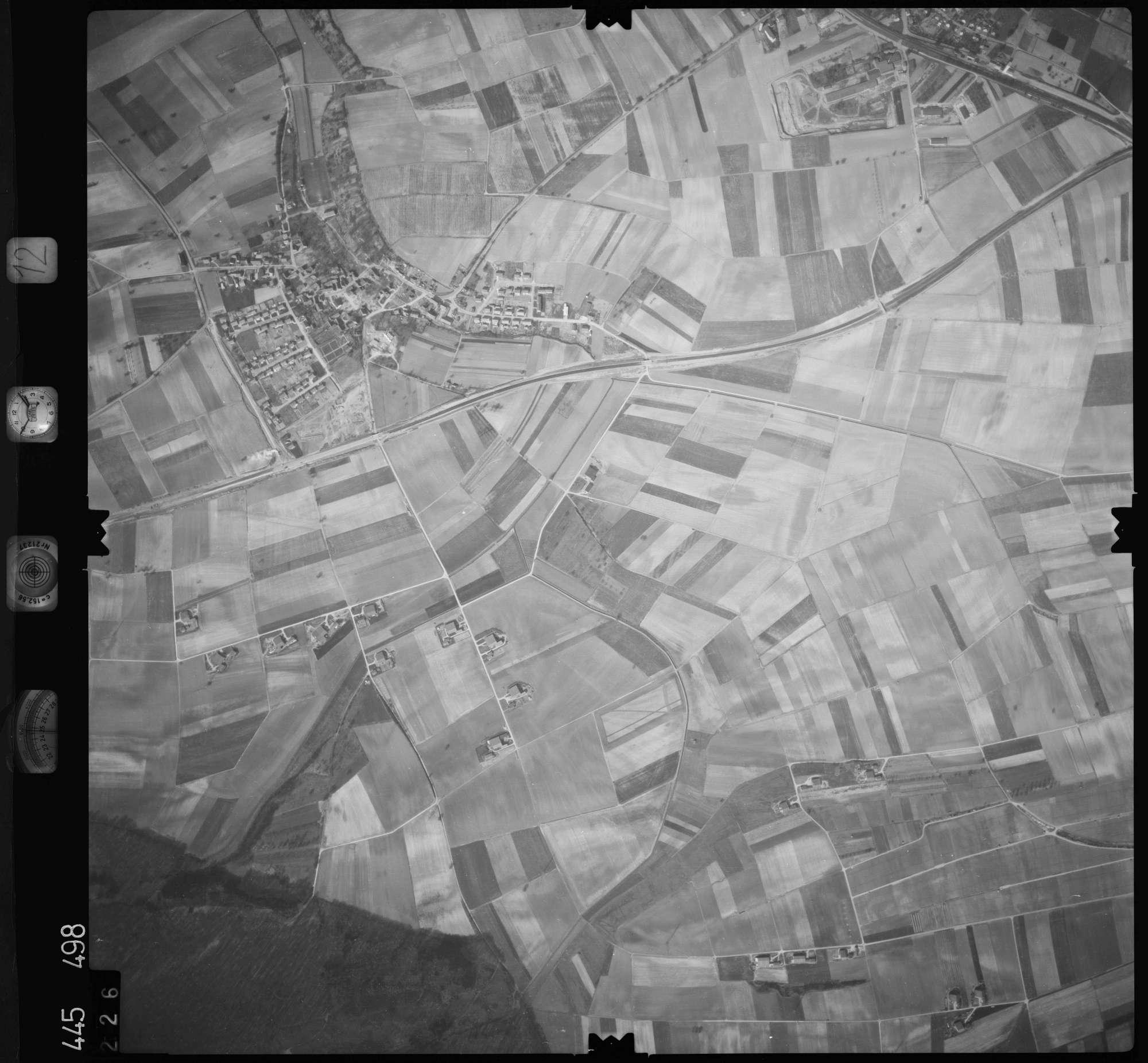 Luftbild: Film 12 Bildnr. 226, Bild 1