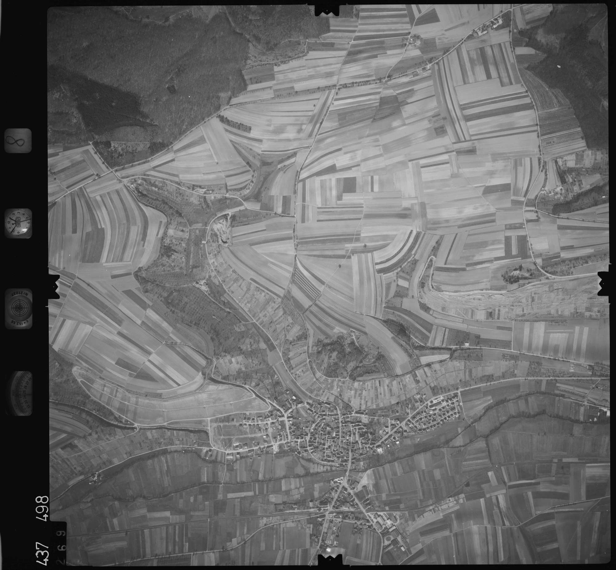 Luftbild: Film 8 Bildnr. 269, Bild 1
