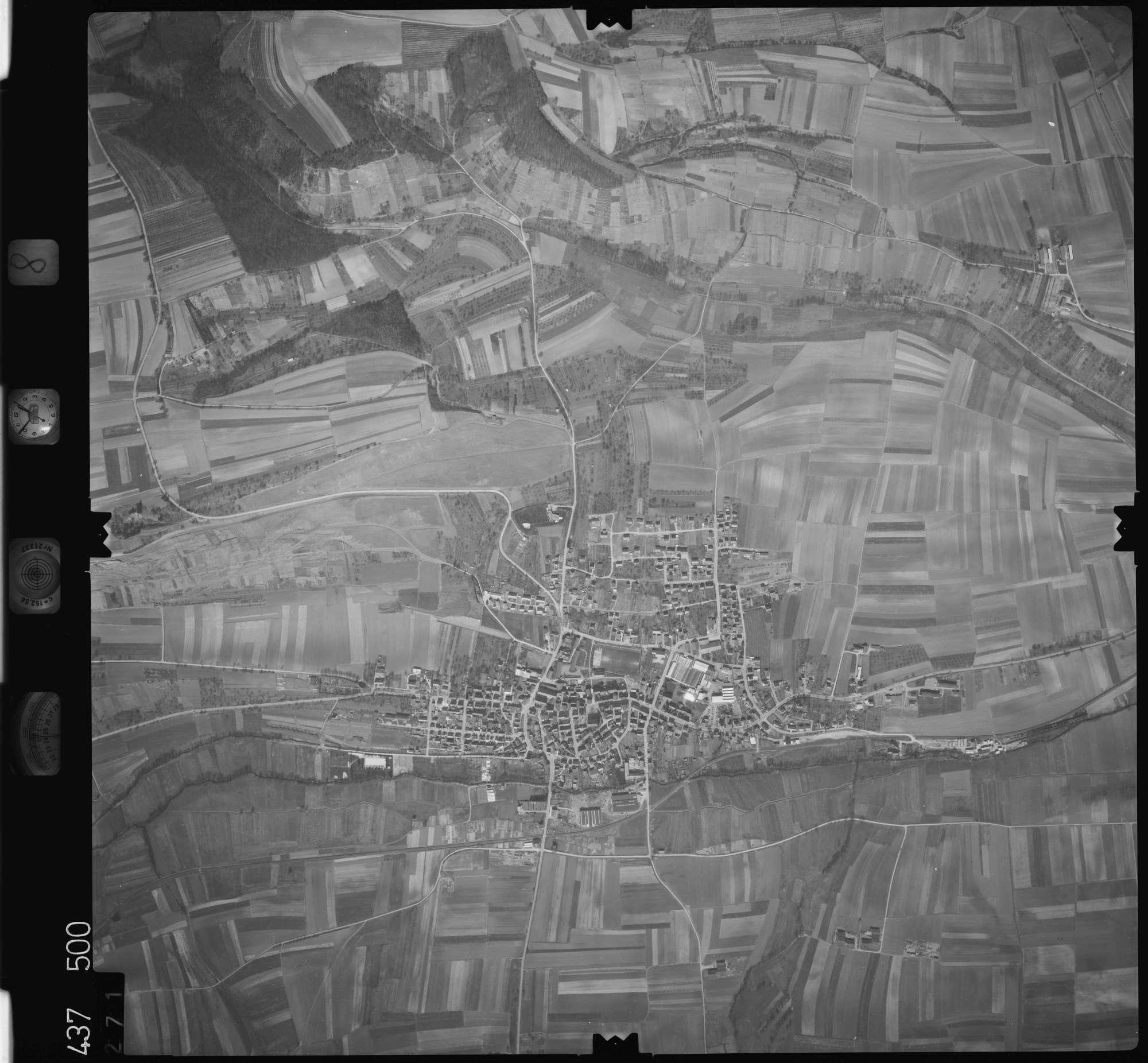 Luftbild: Film 8 Bildnr. 271, Bild 1