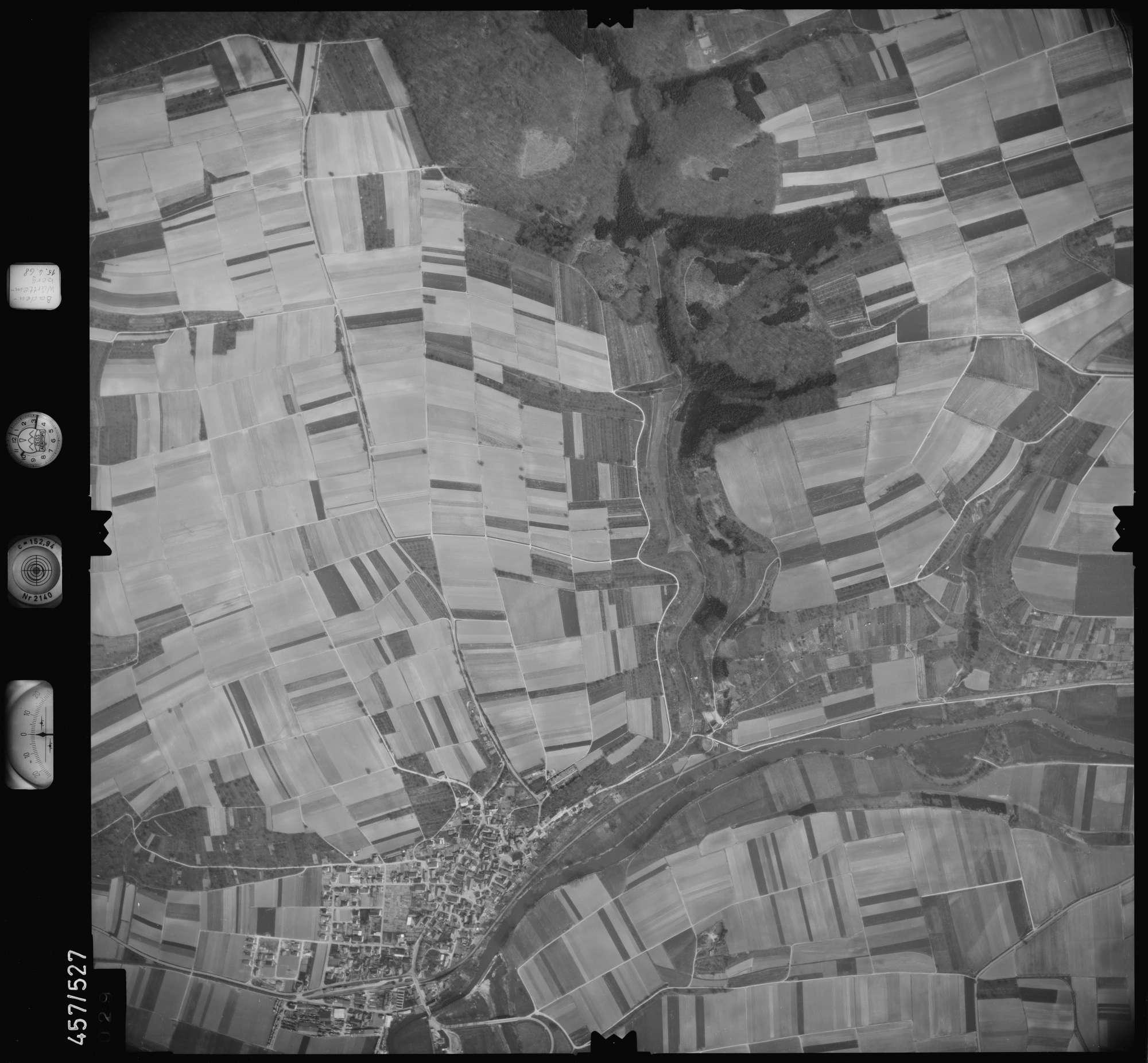 Luftbild: Film 105 Bildnr. 29, Bild 1