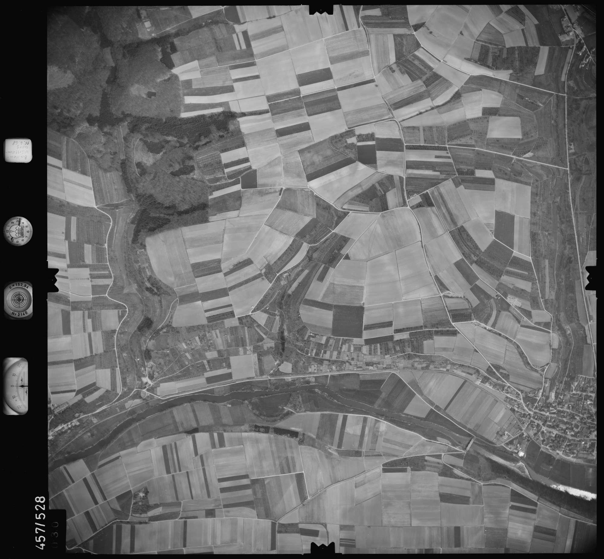 Luftbild: Film 105 Bildnr. 30, Bild 1