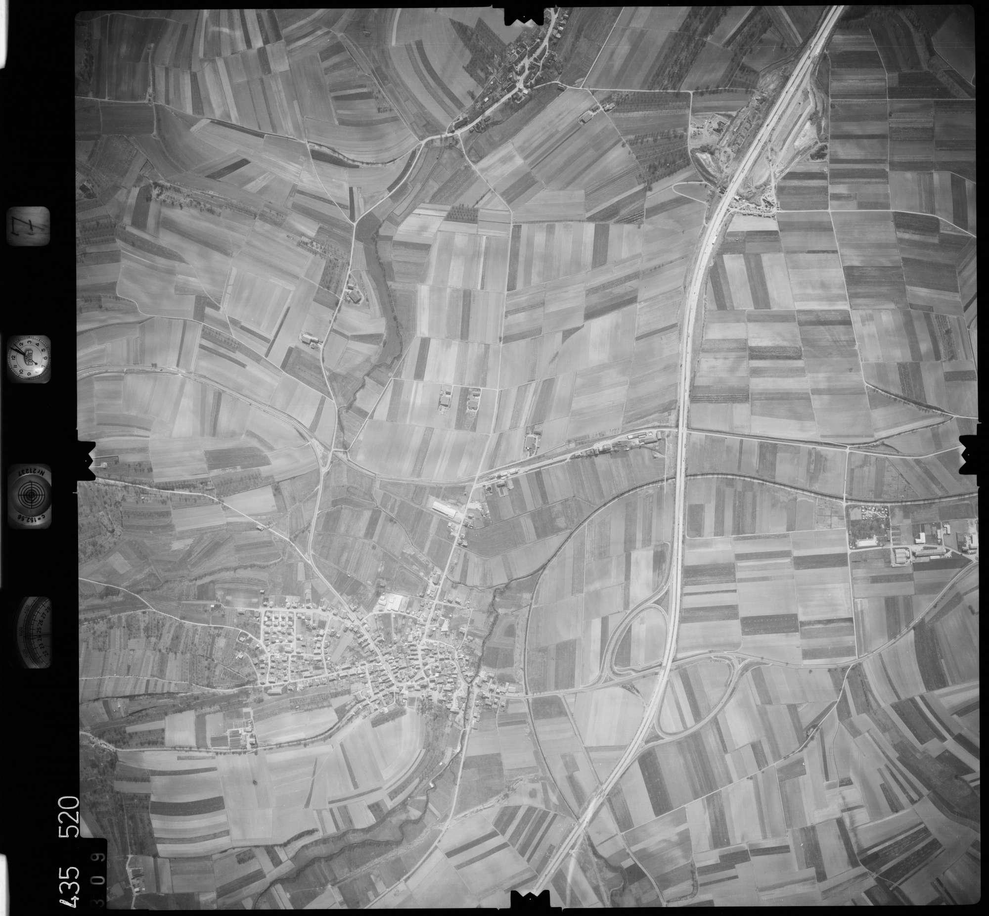 Luftbild: Film 7 Bildnr. 309, Bild 1