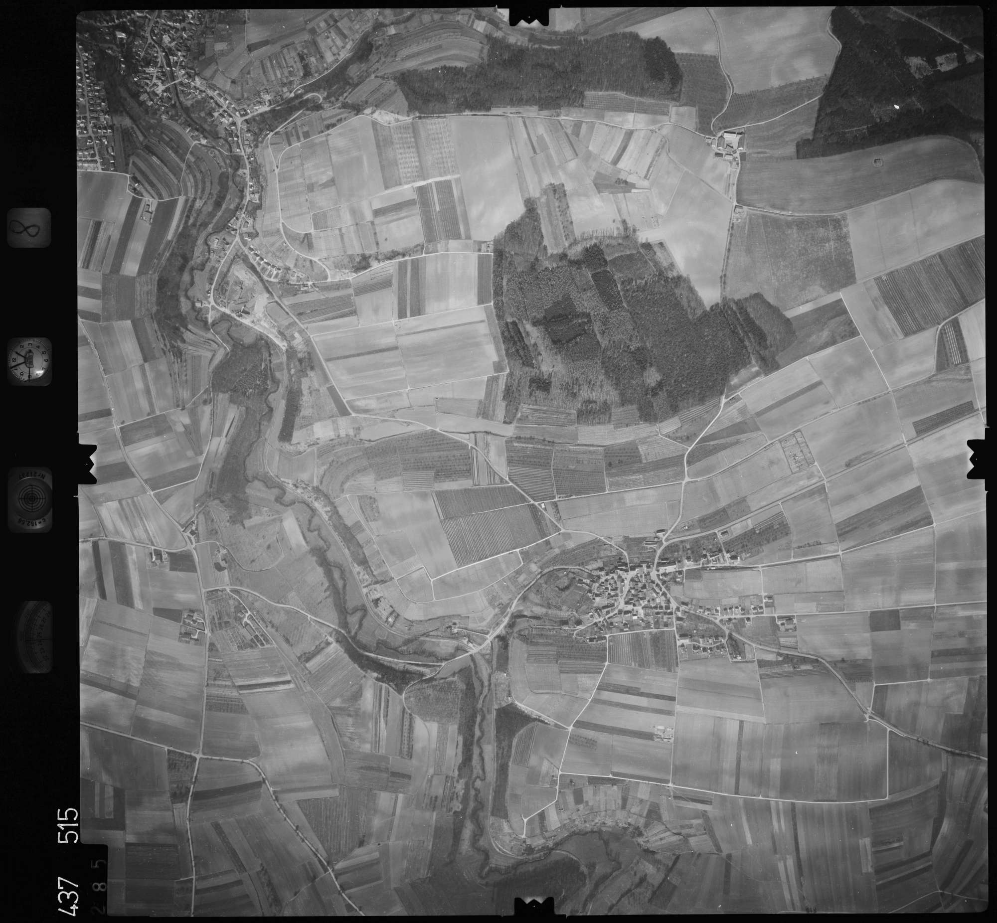 Luftbild: Film 8 Bildnr. 285, Bild 1