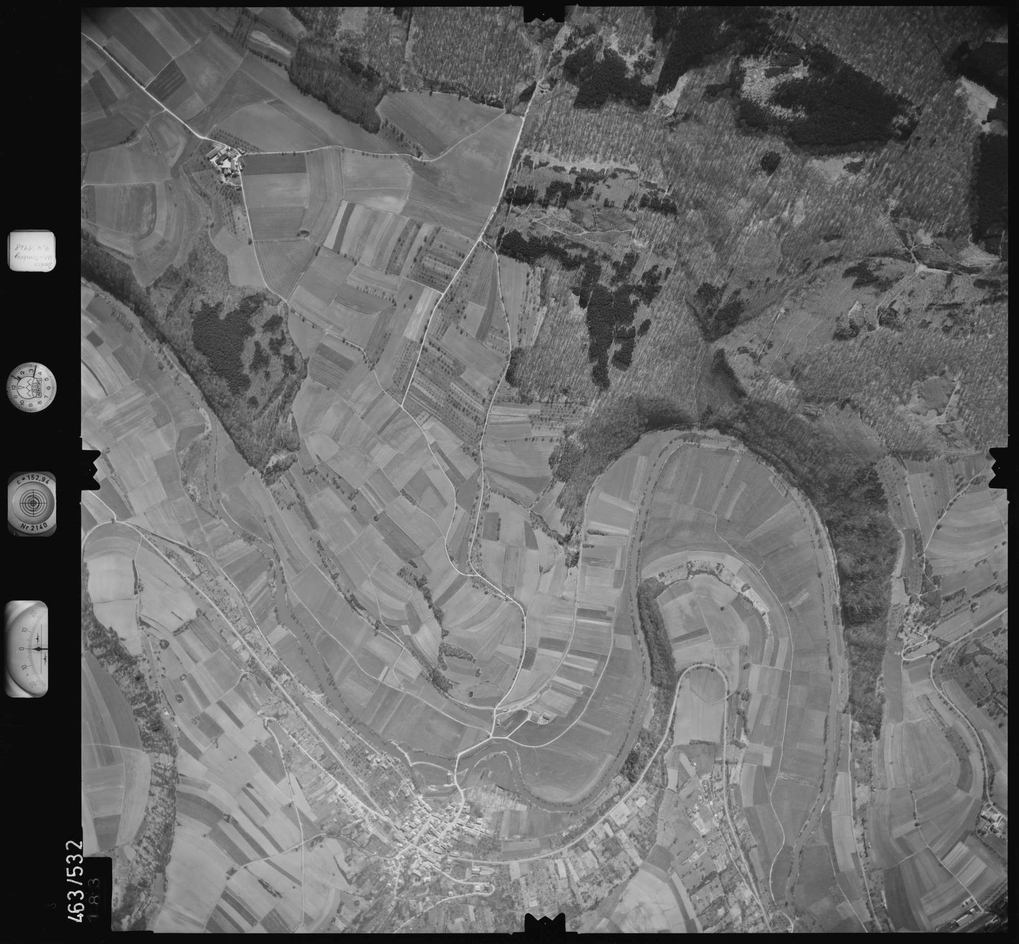 Luftbild: Film 102 Bildnr. 183, Bild 1