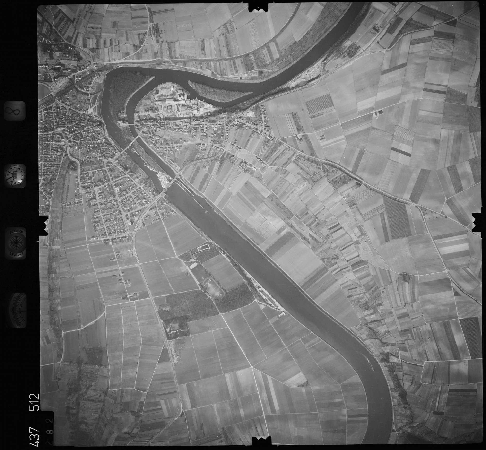 Luftbild: Film 8 Bildnr. 282, Bild 1