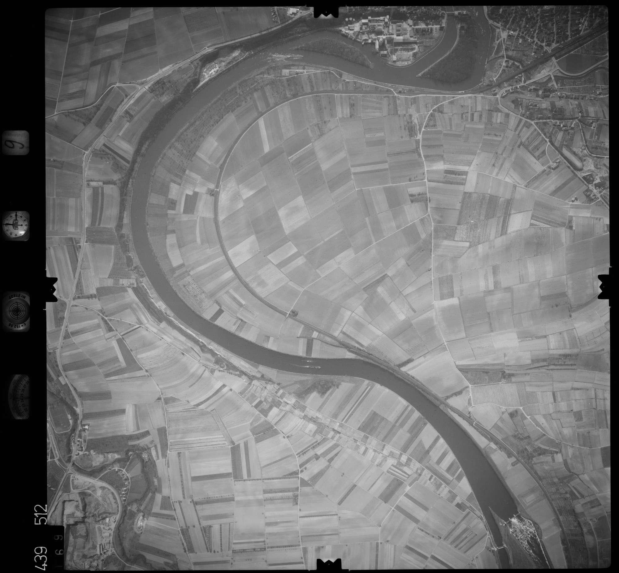Luftbild: Film 9 Bildnr. 169, Bild 1