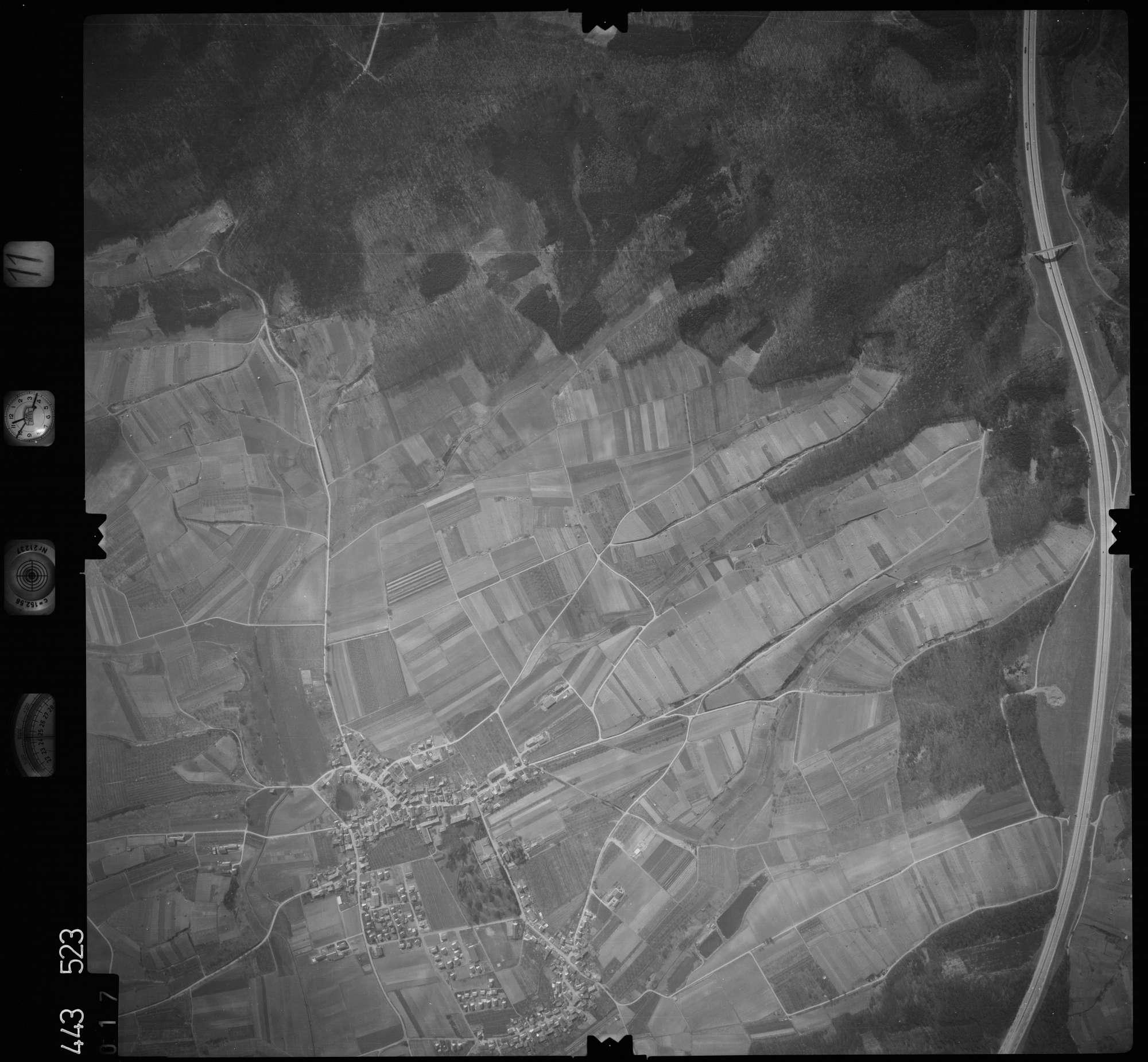 Luftbild: Film 11 Bildnr. 17, Bild 1