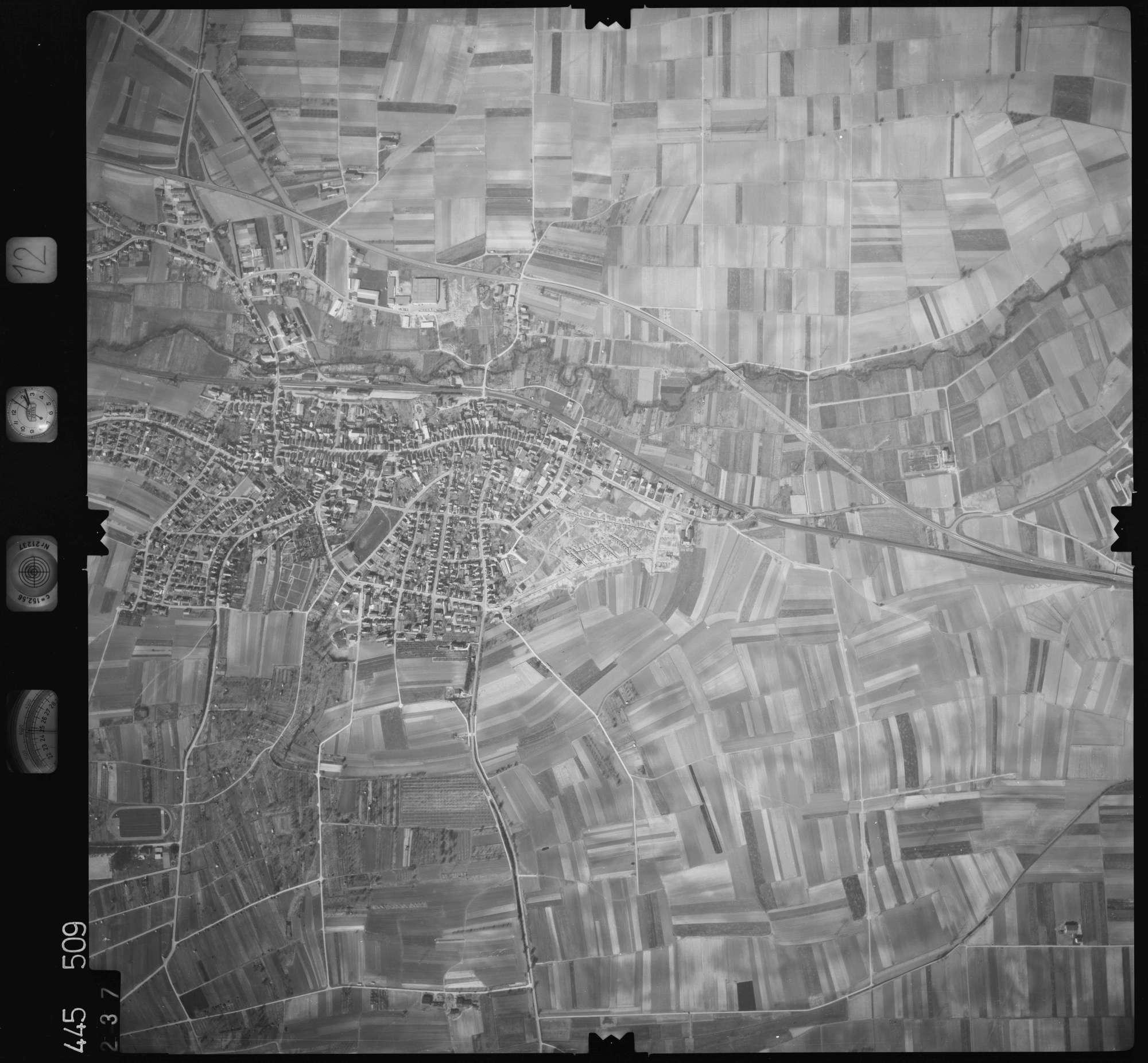 Luftbild: Film 12 Bildnr. 237, Bild 1
