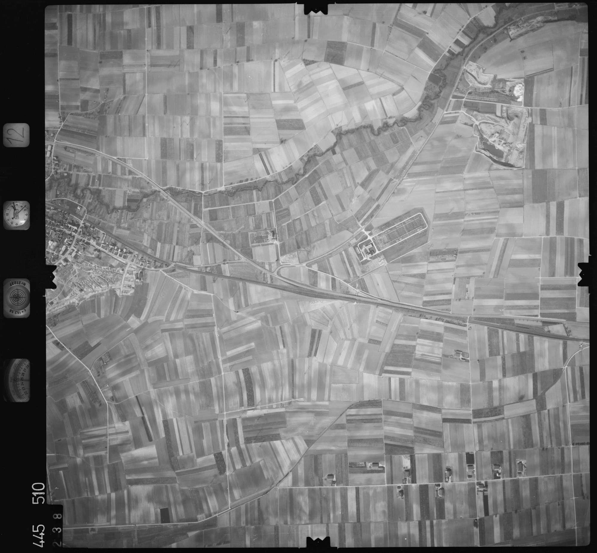 Luftbild: Film 12 Bildnr. 238, Bild 1