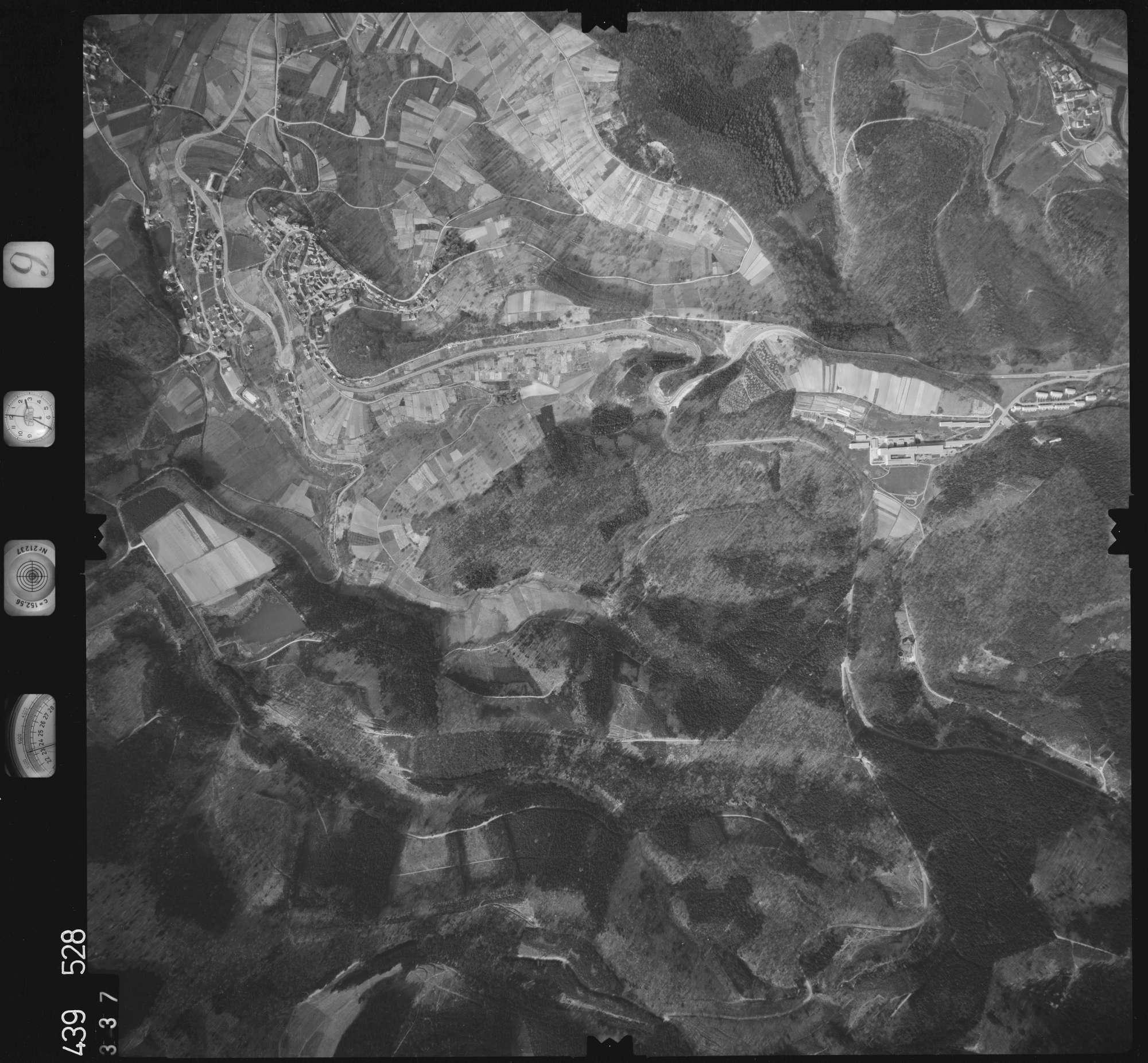 Luftbild: Film 9 Bildnr. 337, Bild 1