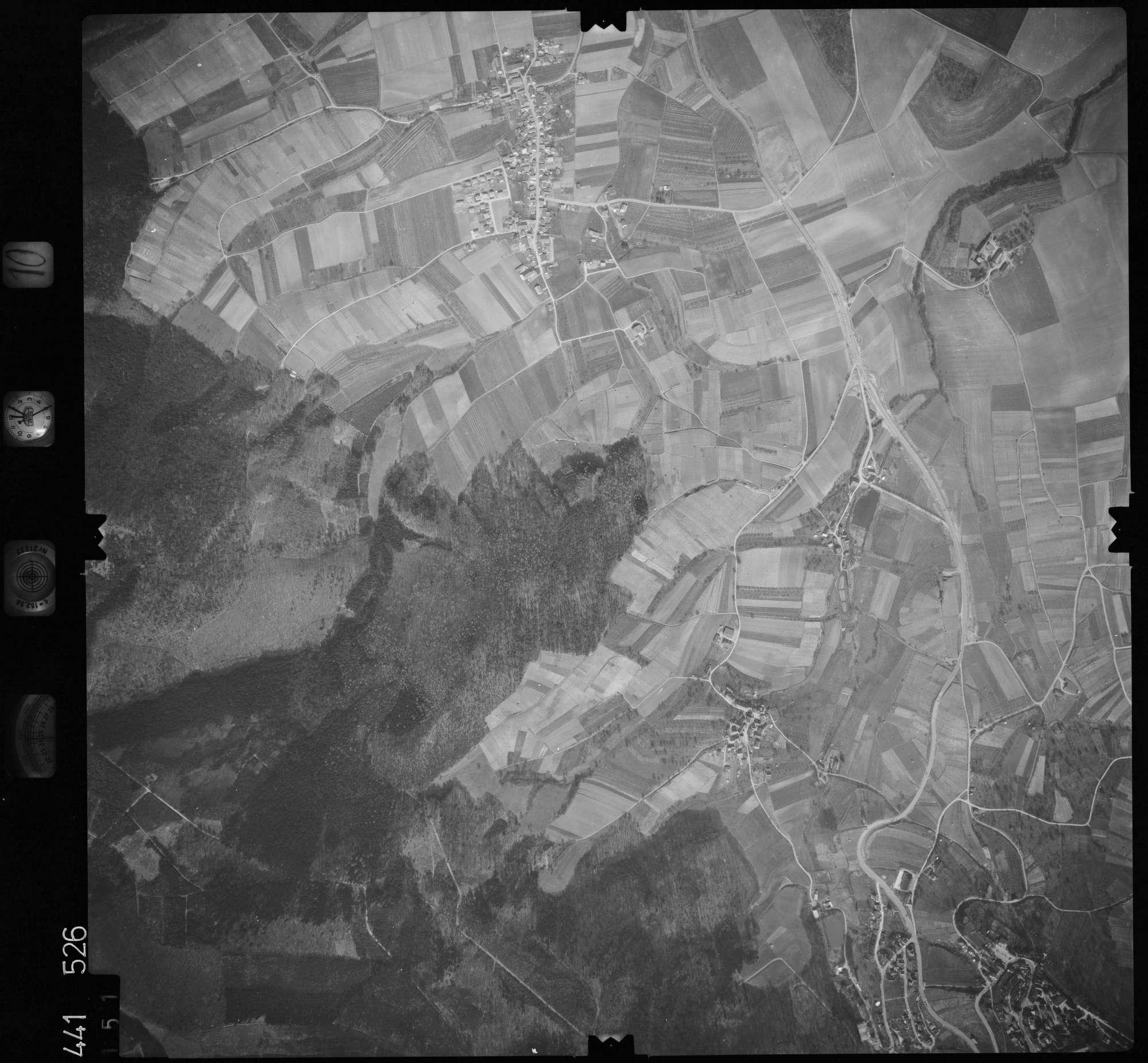 Luftbild: Film 10 Bildnr. 151, Bild 1