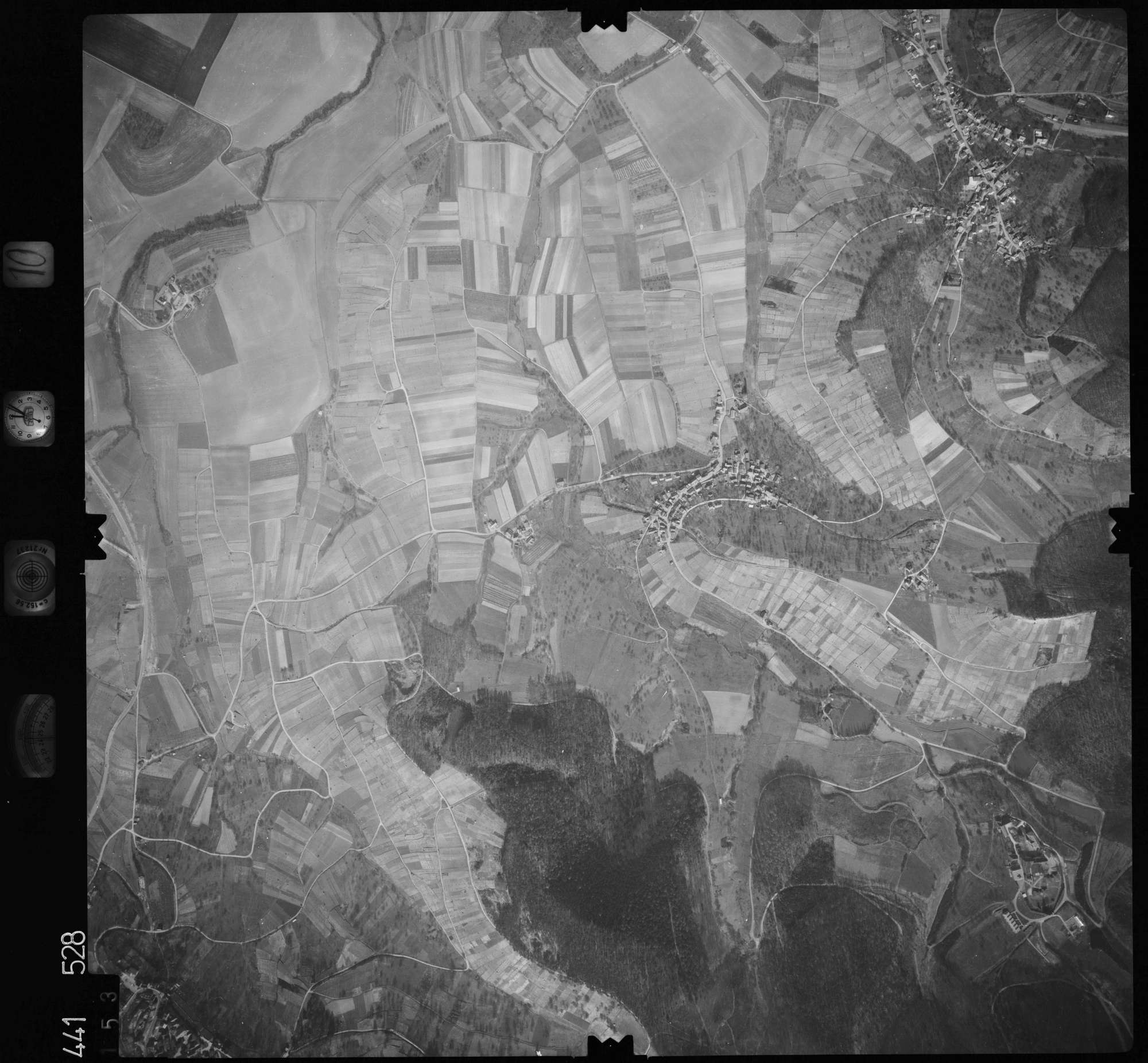Luftbild: Film 10 Bildnr. 153, Bild 1