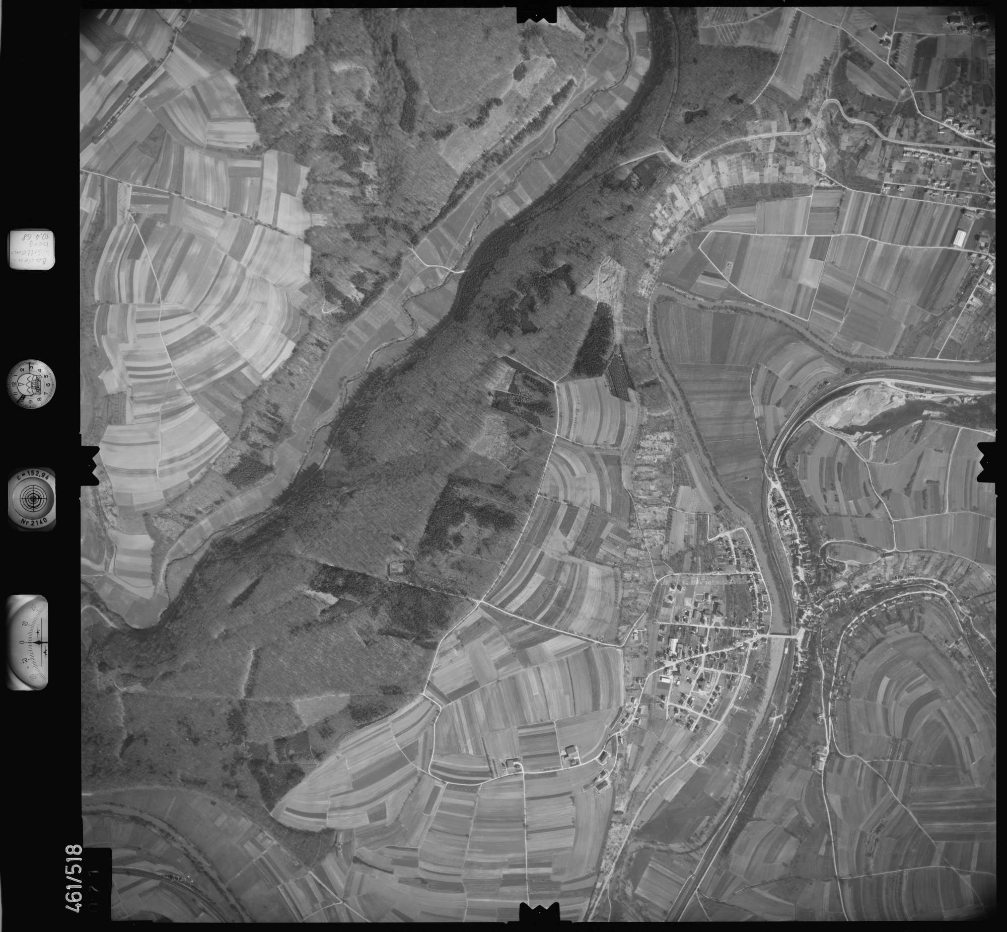 Luftbild: Film 103 Bildnr. 71, Bild 1