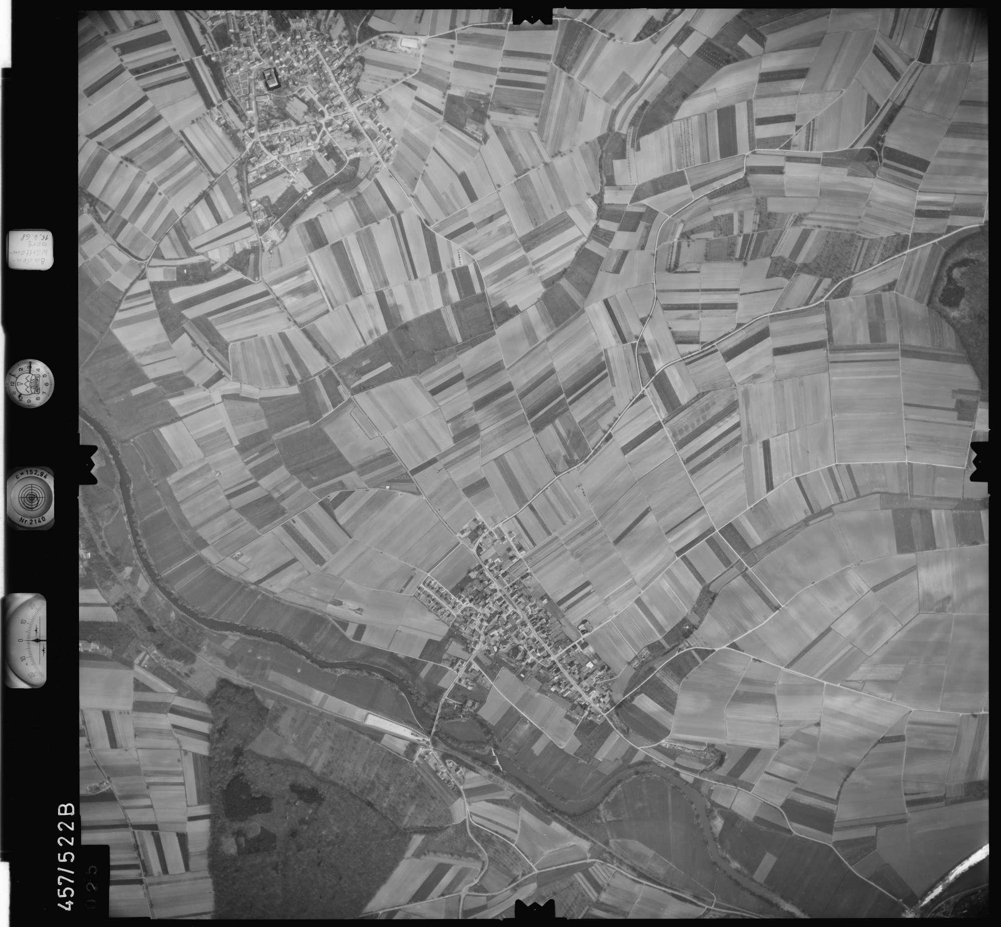 Luftbild: Film 105 Bildnr. 25, Bild 1