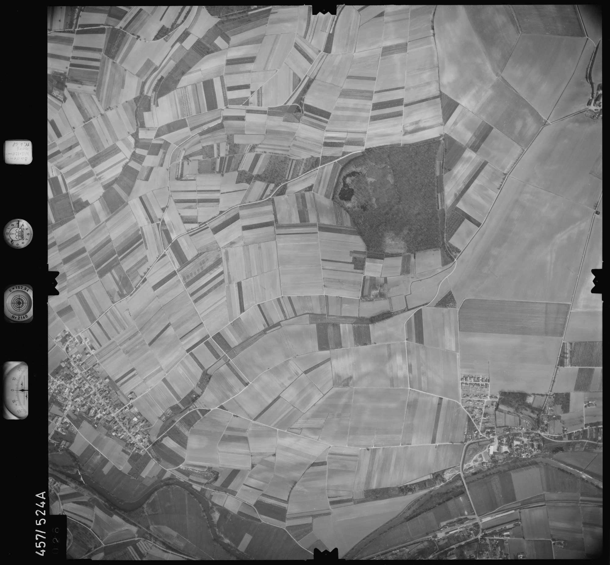 Luftbild: Film 105 Bildnr. 26, Bild 1