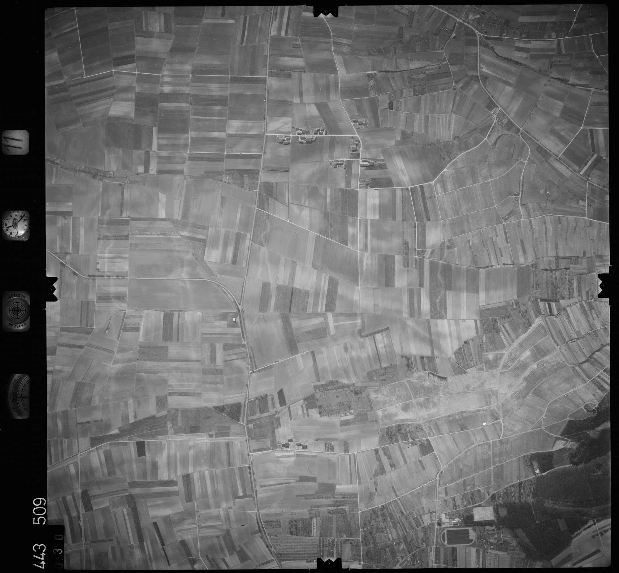 Luftbild: Film 11 Bildnr. 30, Bild 1