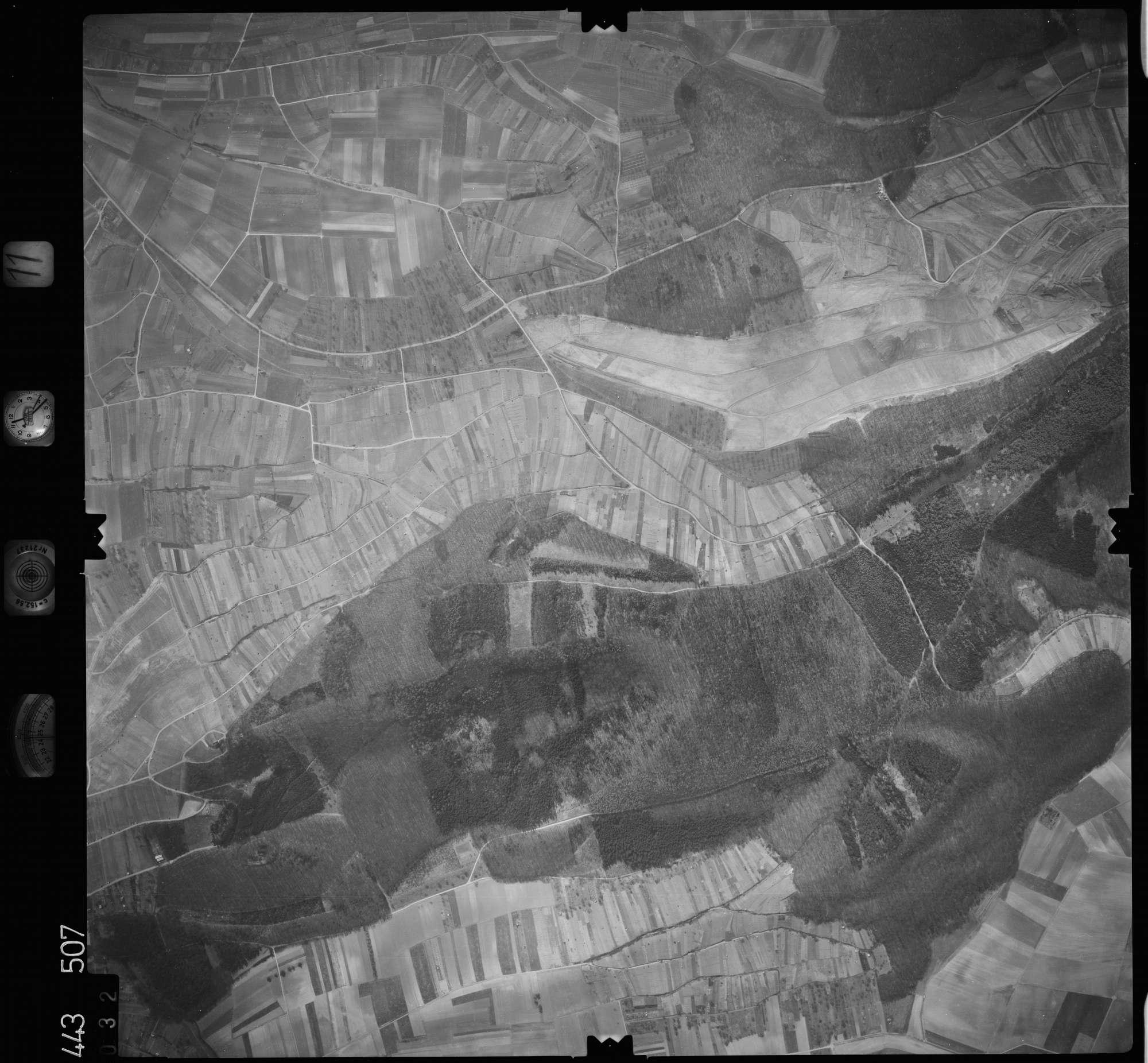 Luftbild: Film 11 Bildnr. 32, Bild 1