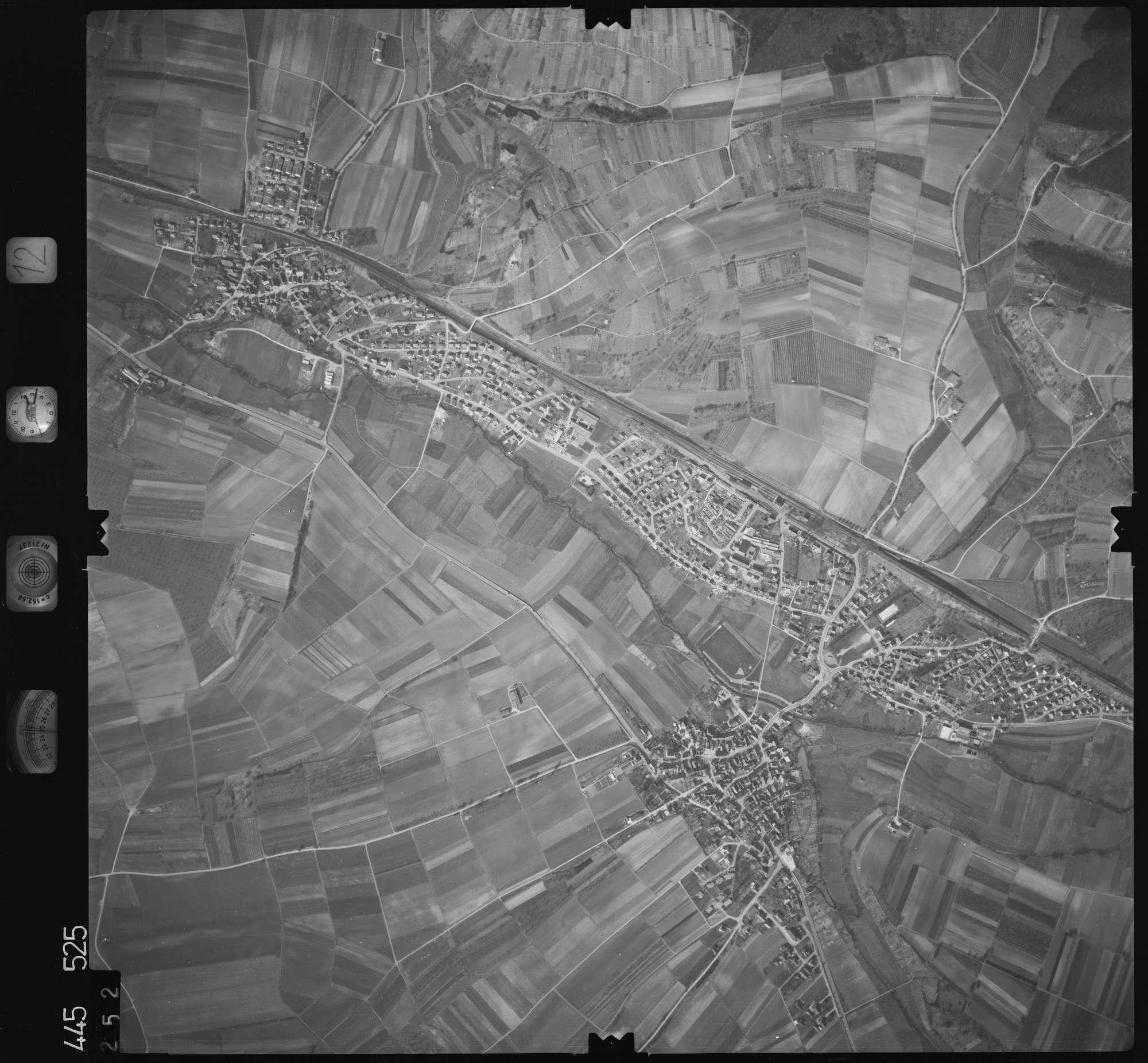 Luftbild: Film 12 Bildnr. 252, Bild 1