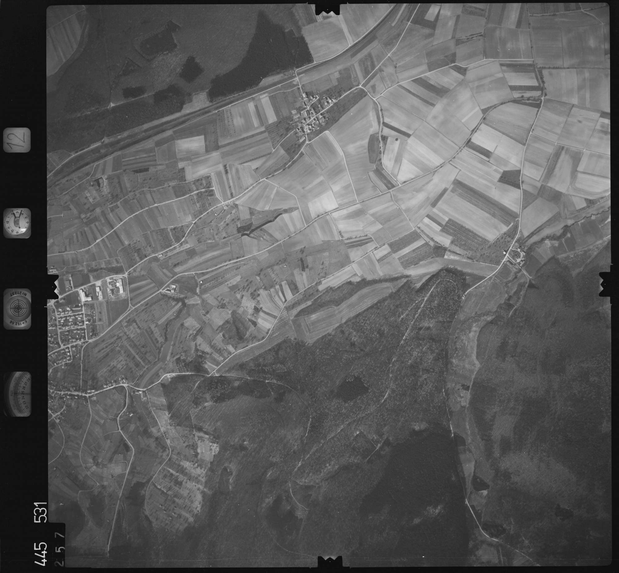 Luftbild: Film 12 Bildnr. 257, Bild 1