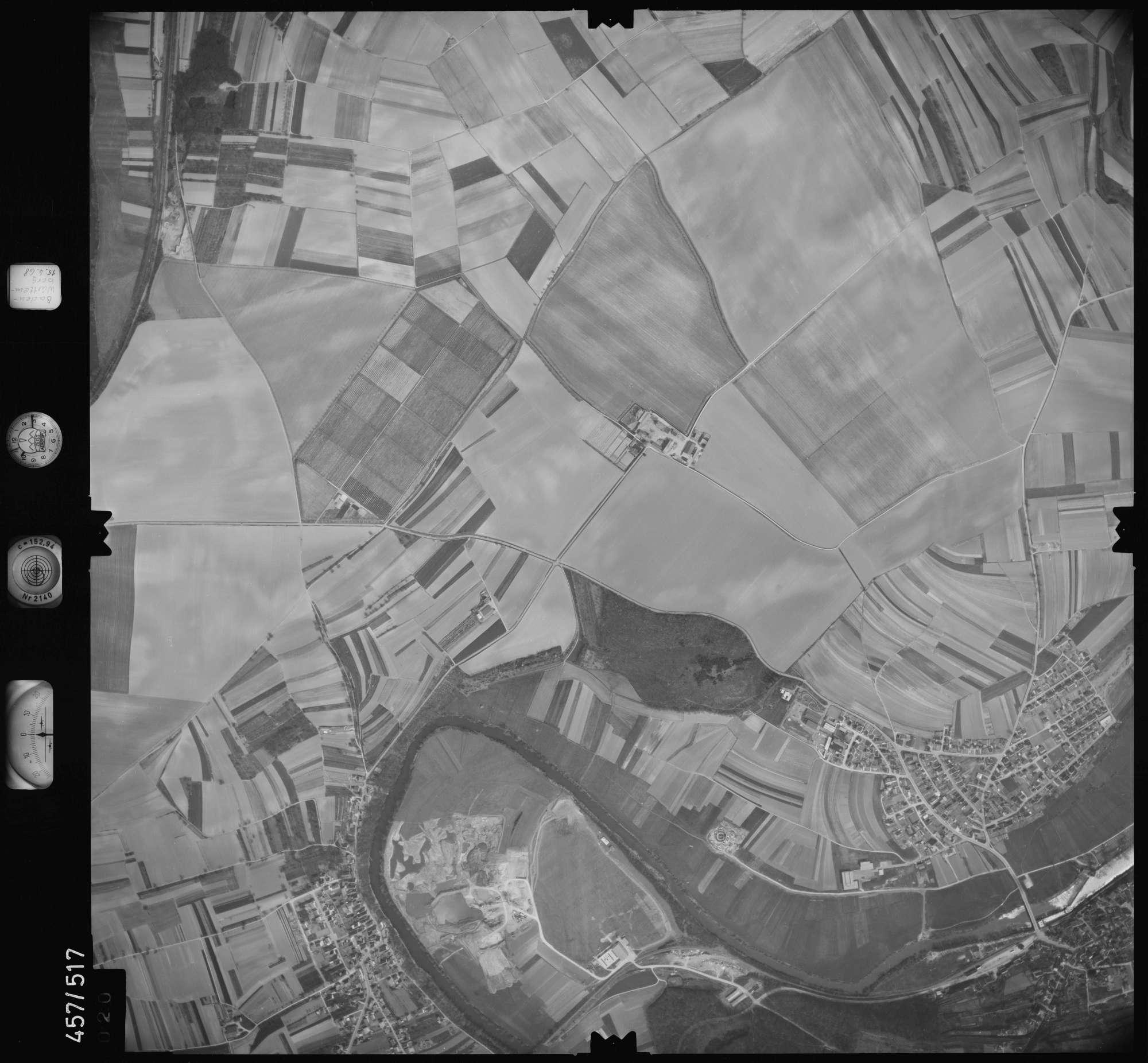 Luftbild: Film 105 Bildnr. 20, Bild 1