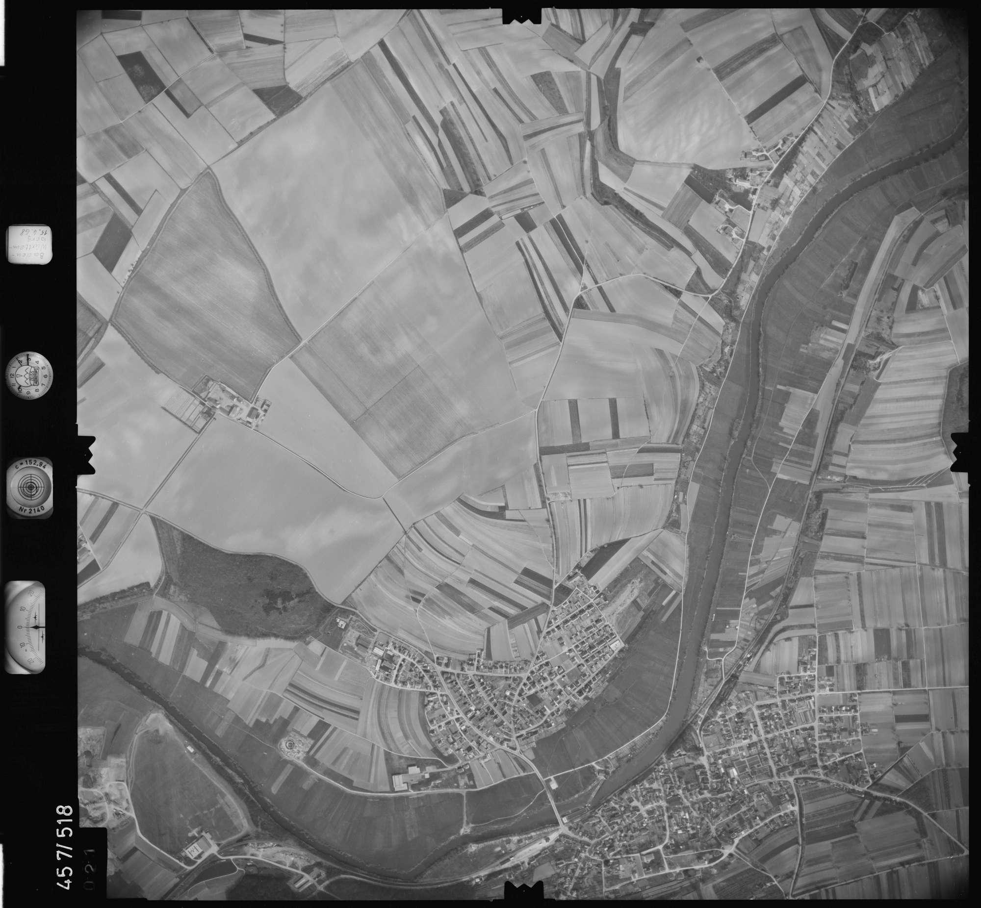 Luftbild: Film 105 Bildnr. 21, Bild 1