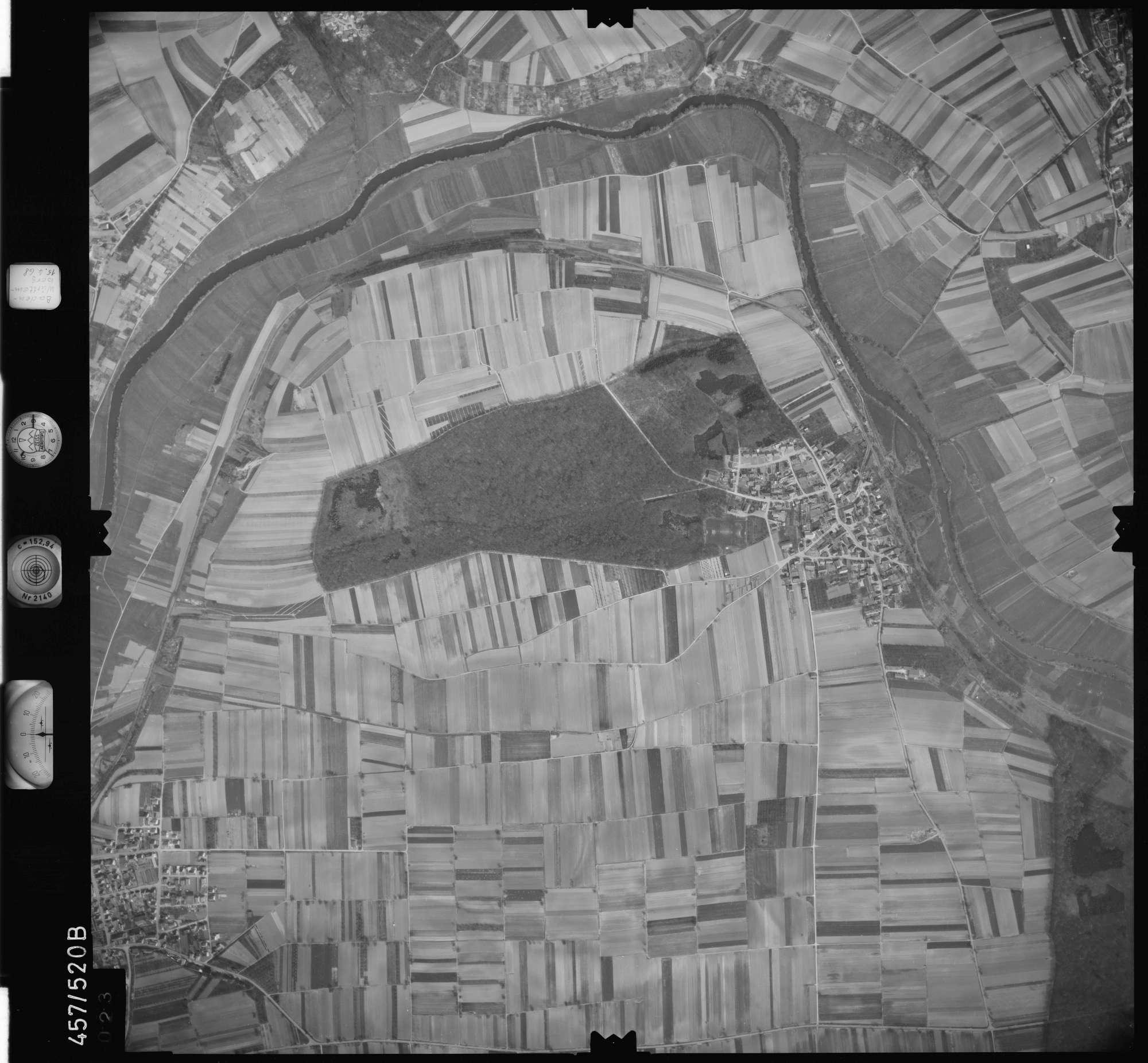 Luftbild: Film 105 Bildnr. 23, Bild 1