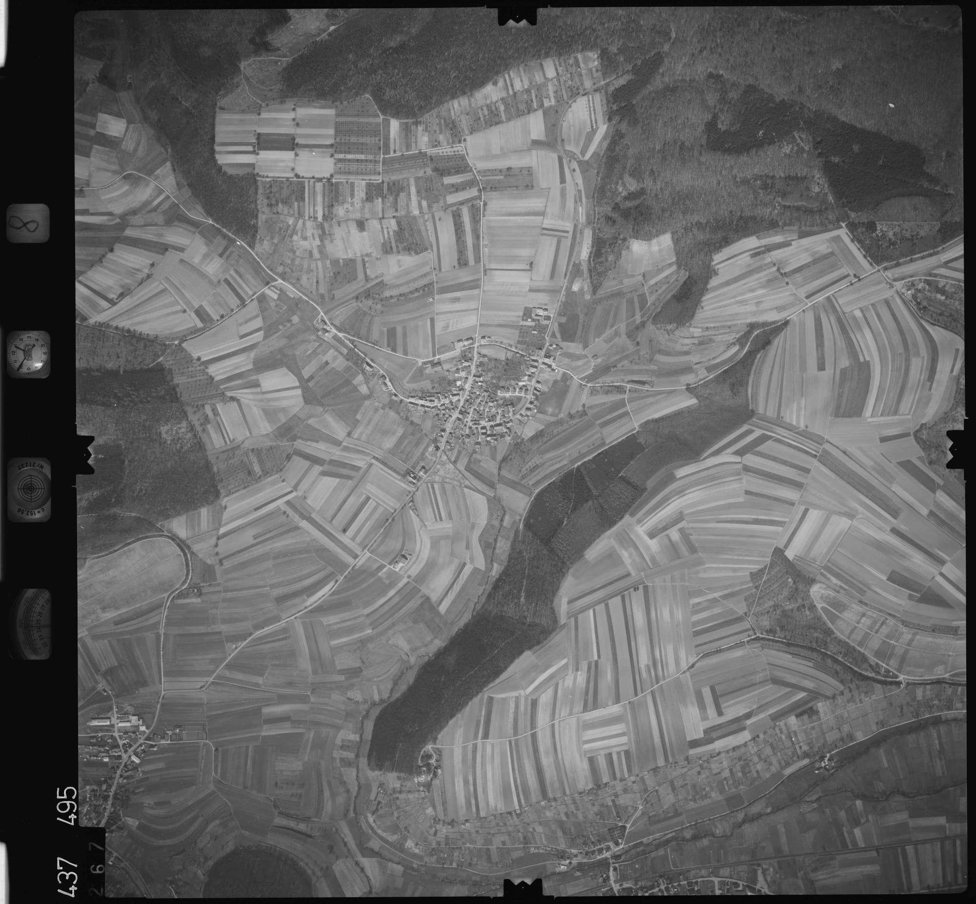 Luftbild: Film 8 Bildnr. 267, Bild 1