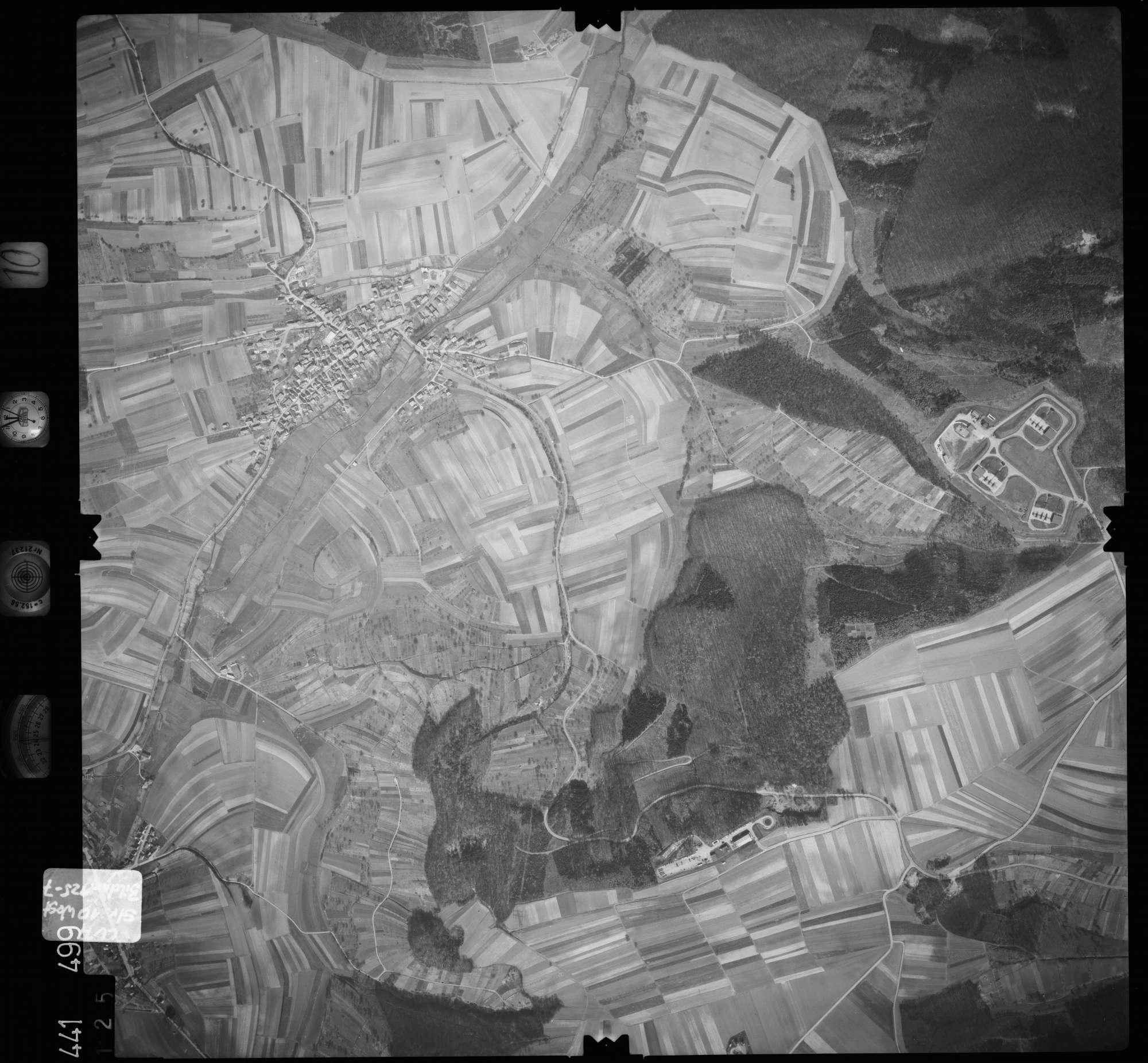 Luftbild: Film 10 Bildnr. 125, Bild 1