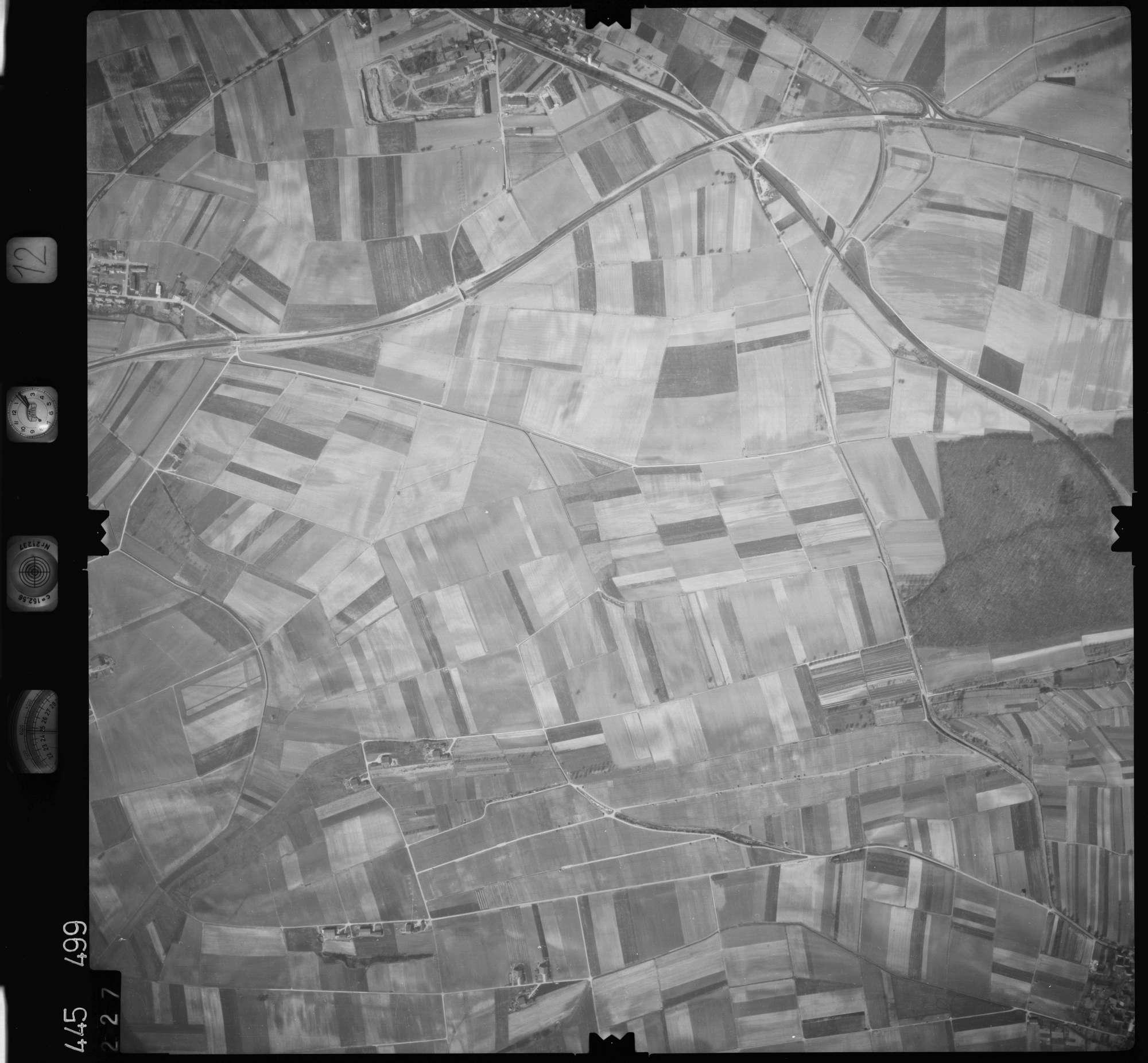 Luftbild: Film 12 Bildnr. 227, Bild 1