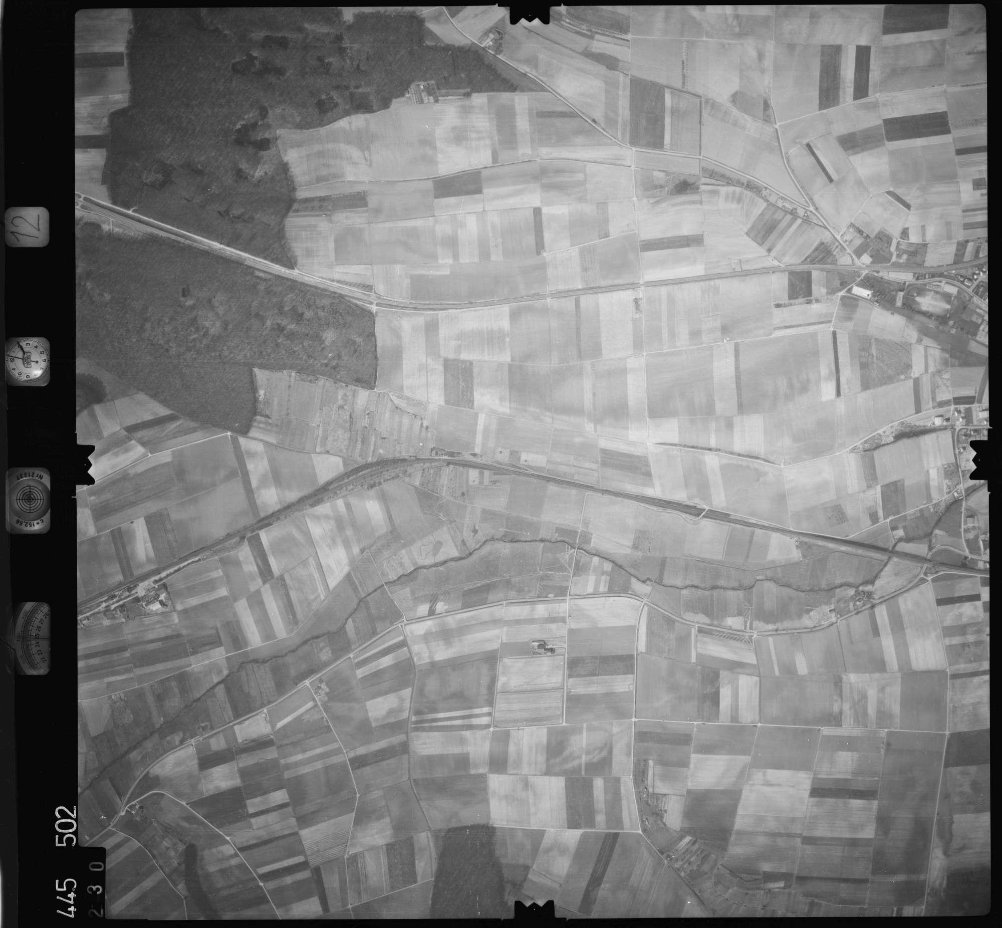 Luftbild: Film 12 Bildnr. 230, Bild 1