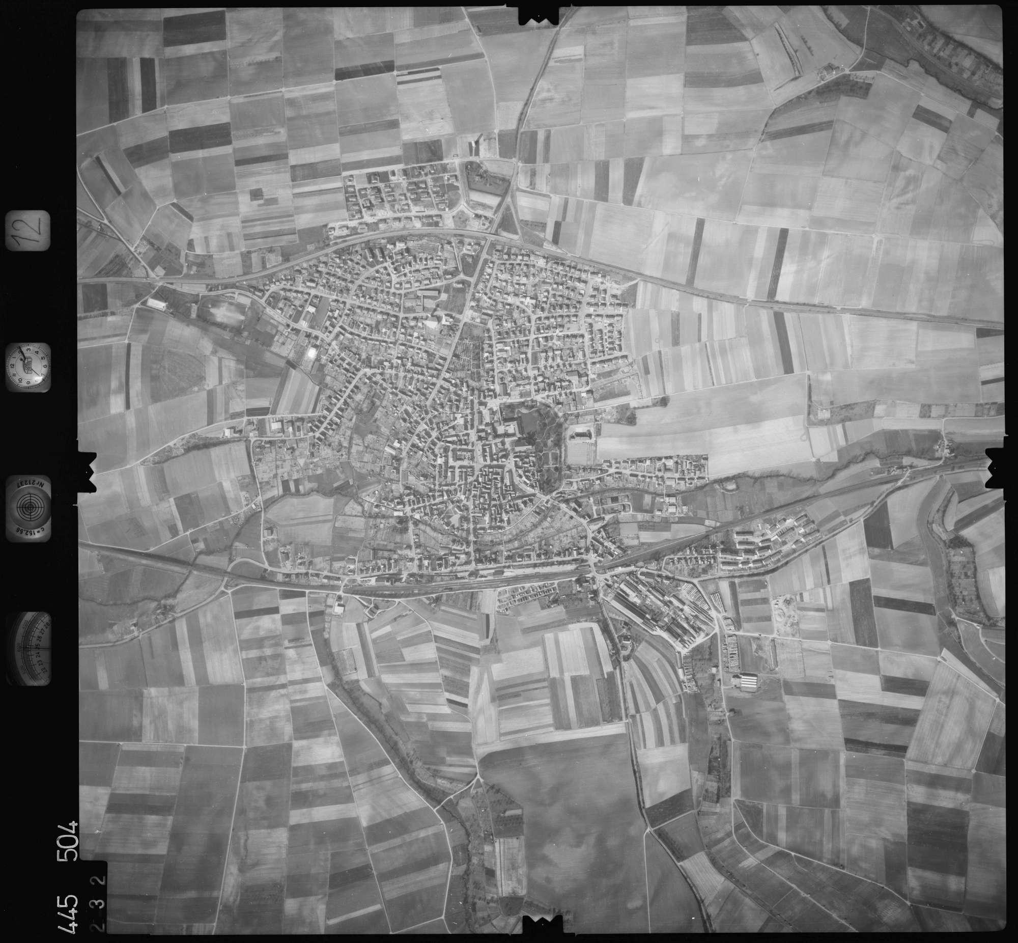 Luftbild: Film 12 Bildnr. 232, Bild 1