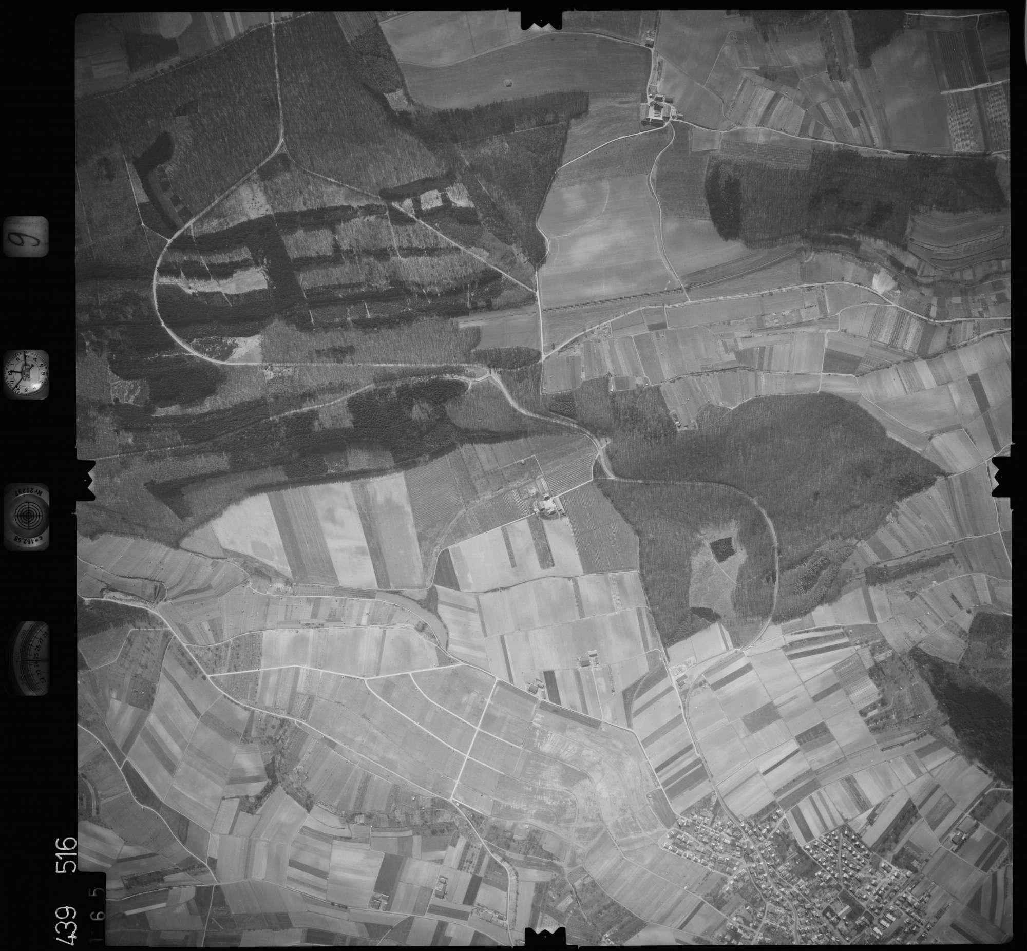 Luftbild: Film 9 Bildnr. 165, Bild 1