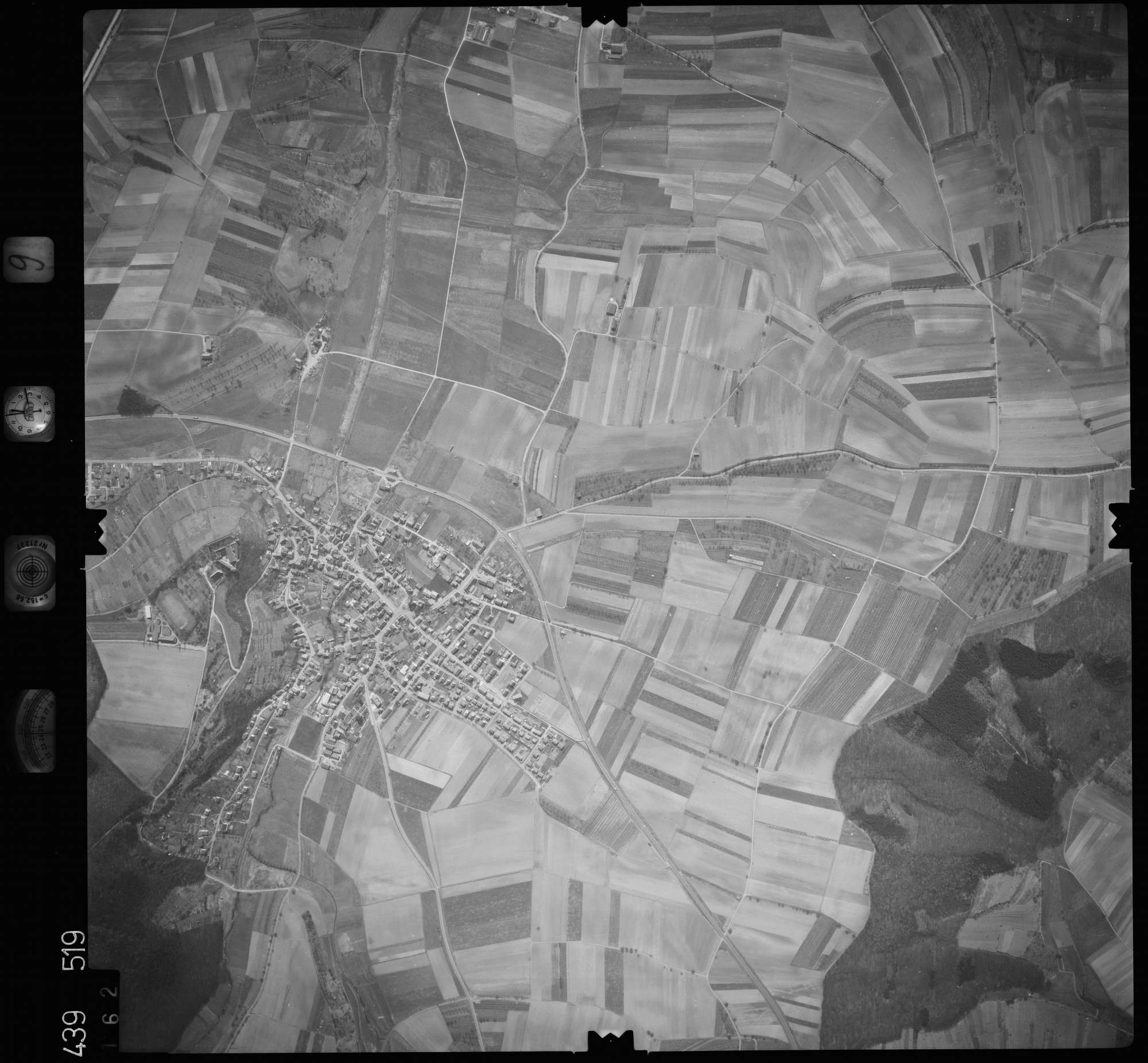 Luftbild: Film 9 Bildnr. 162, Bild 1
