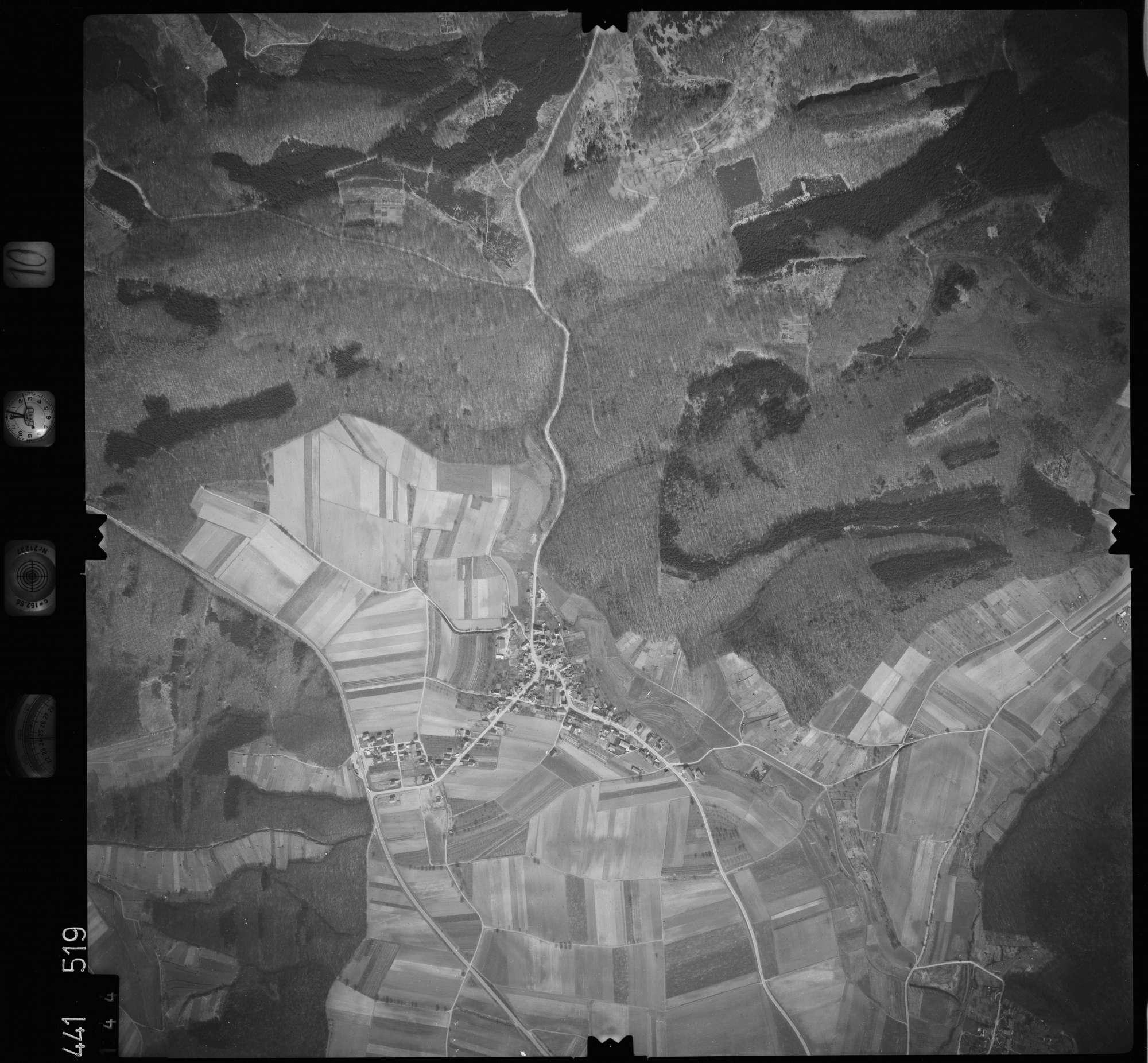 Luftbild: Film 10 Bildnr. 144, Bild 1