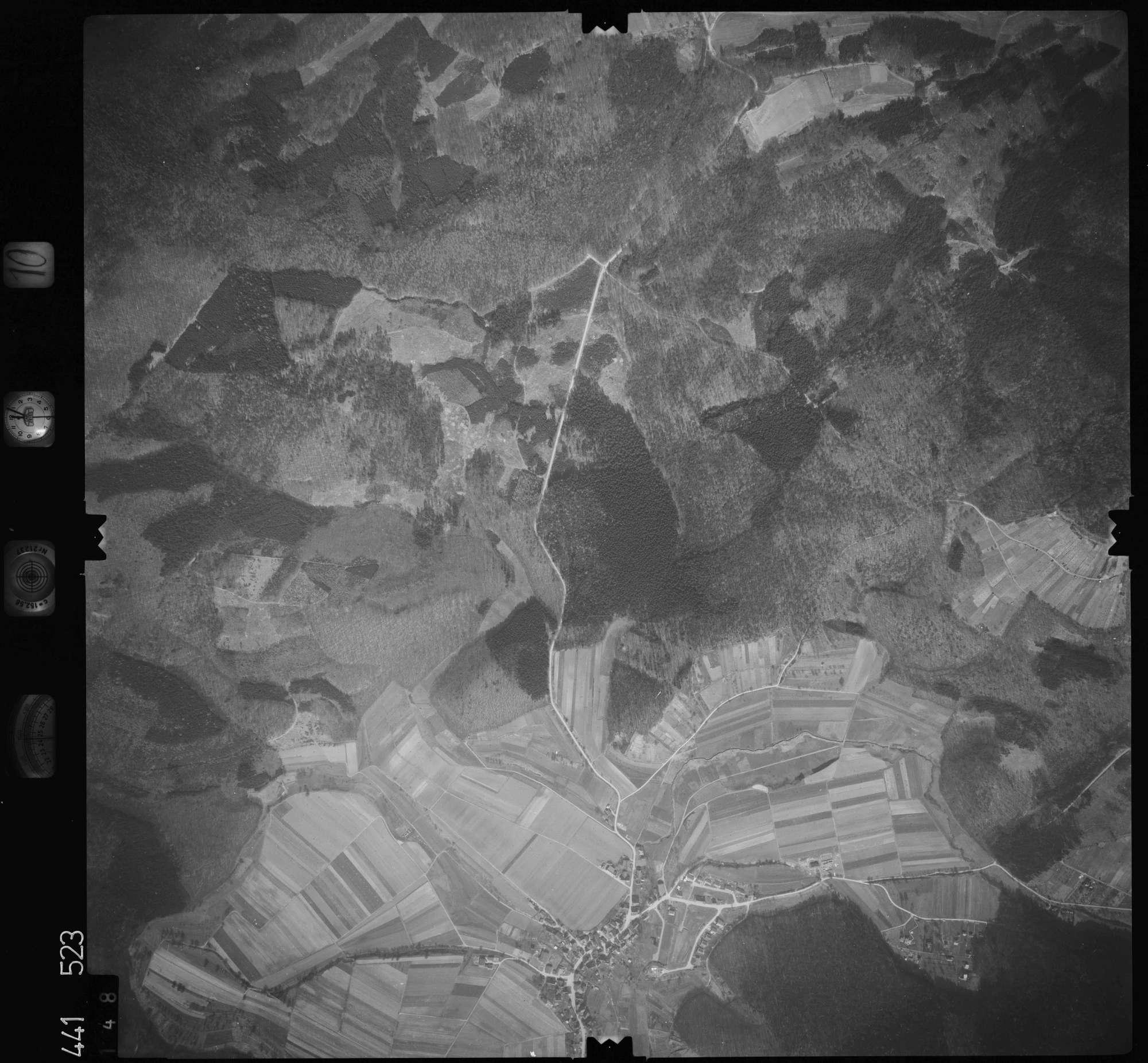 Luftbild: Film 10 Bildnr. 148, Bild 1