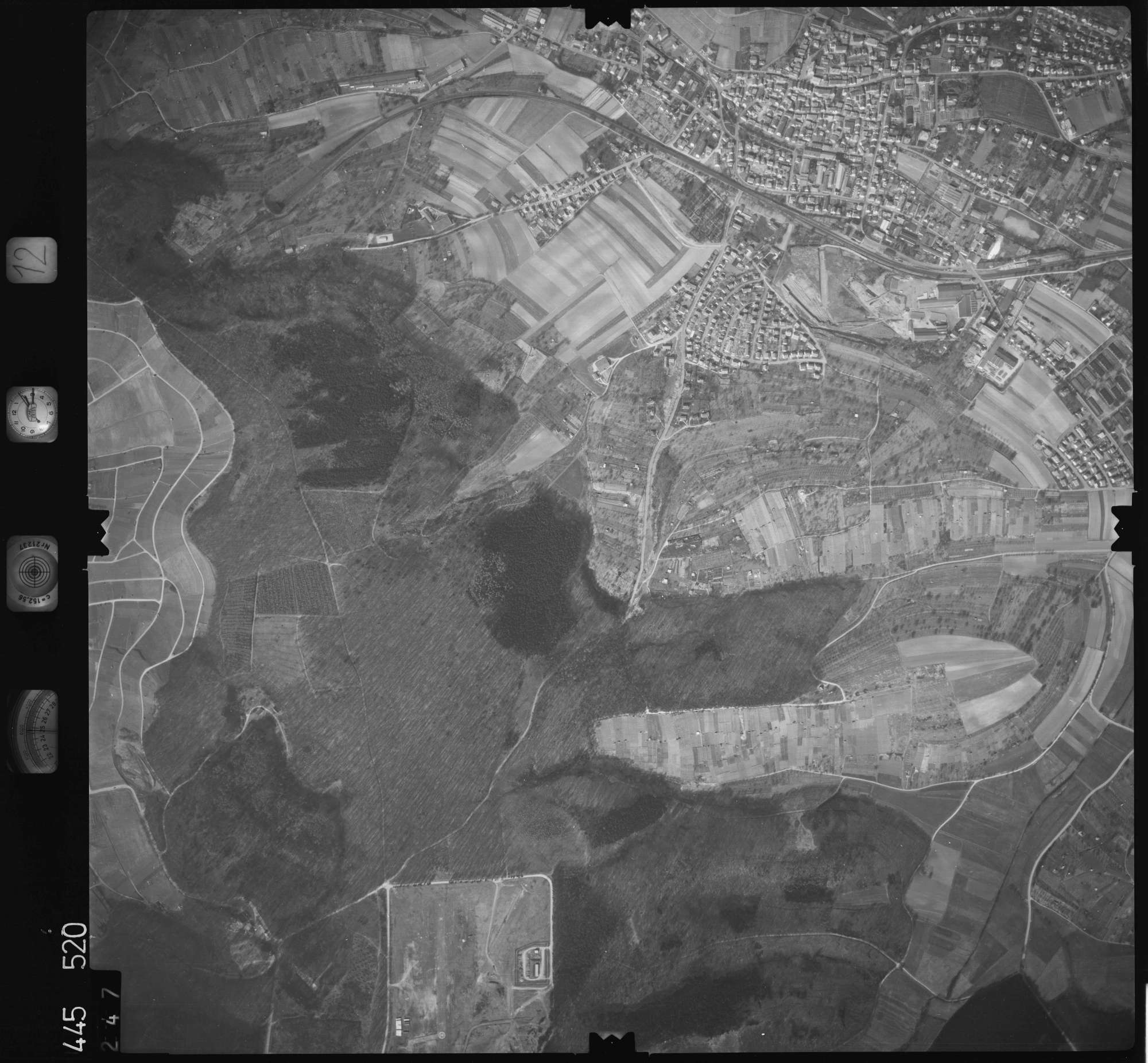 Luftbild: Film 12 Bildnr. 247, Bild 1