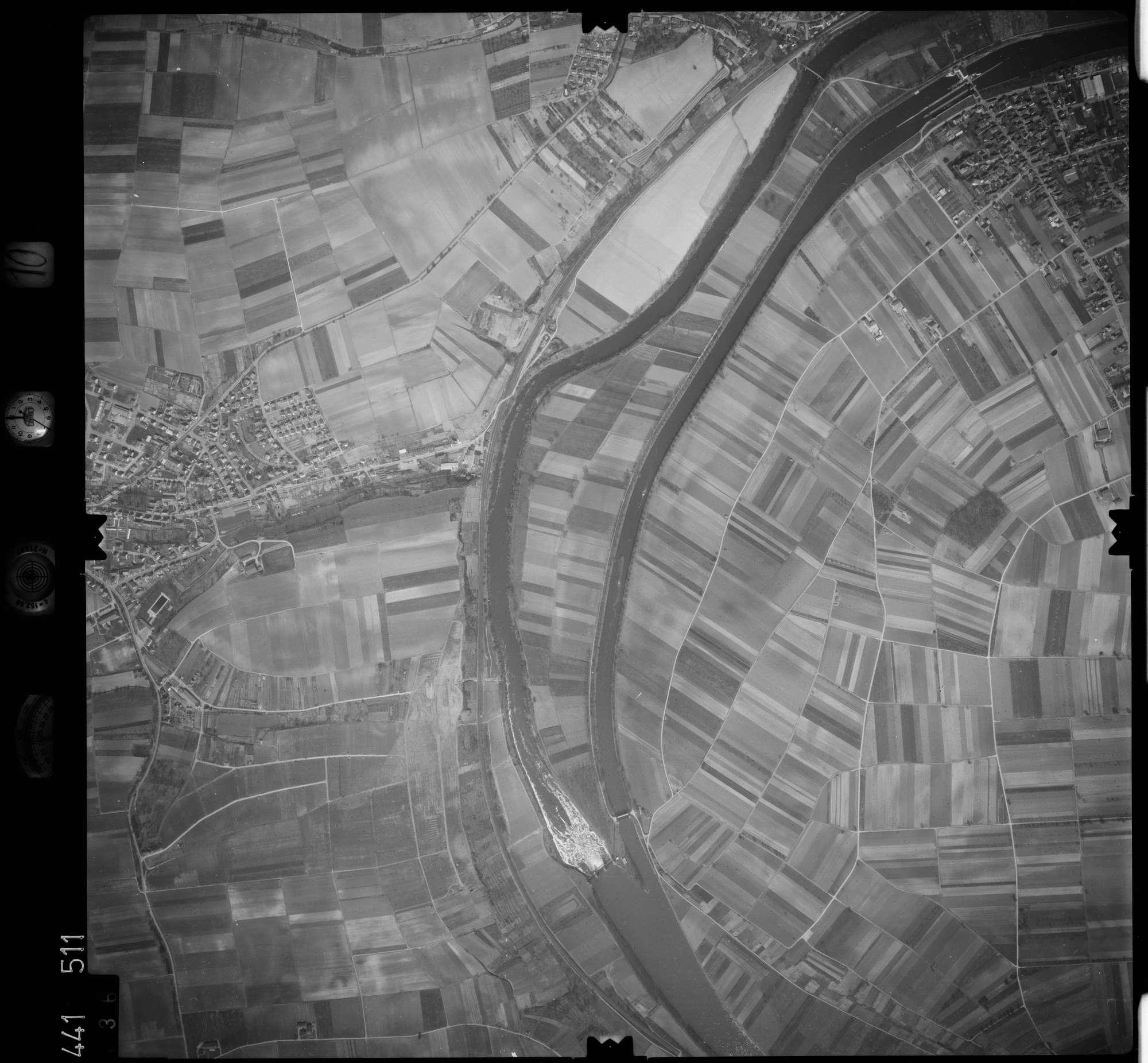 Luftbild: Film 10 Bildnr. 136, Bild 1