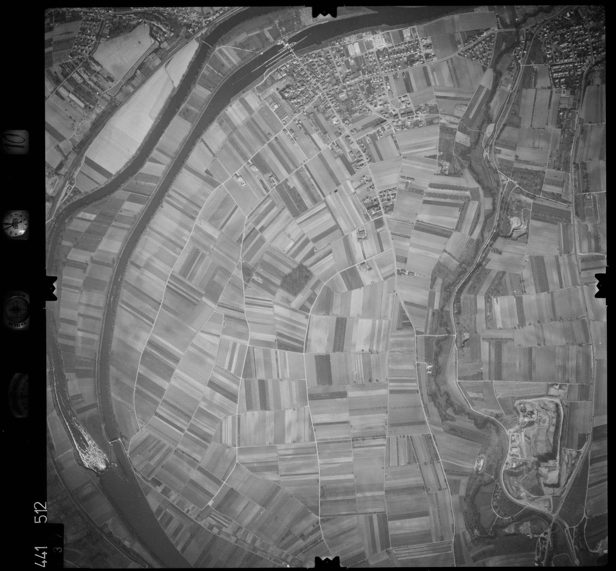 Luftbild: Film 10 Bildnr. 137, Bild 1