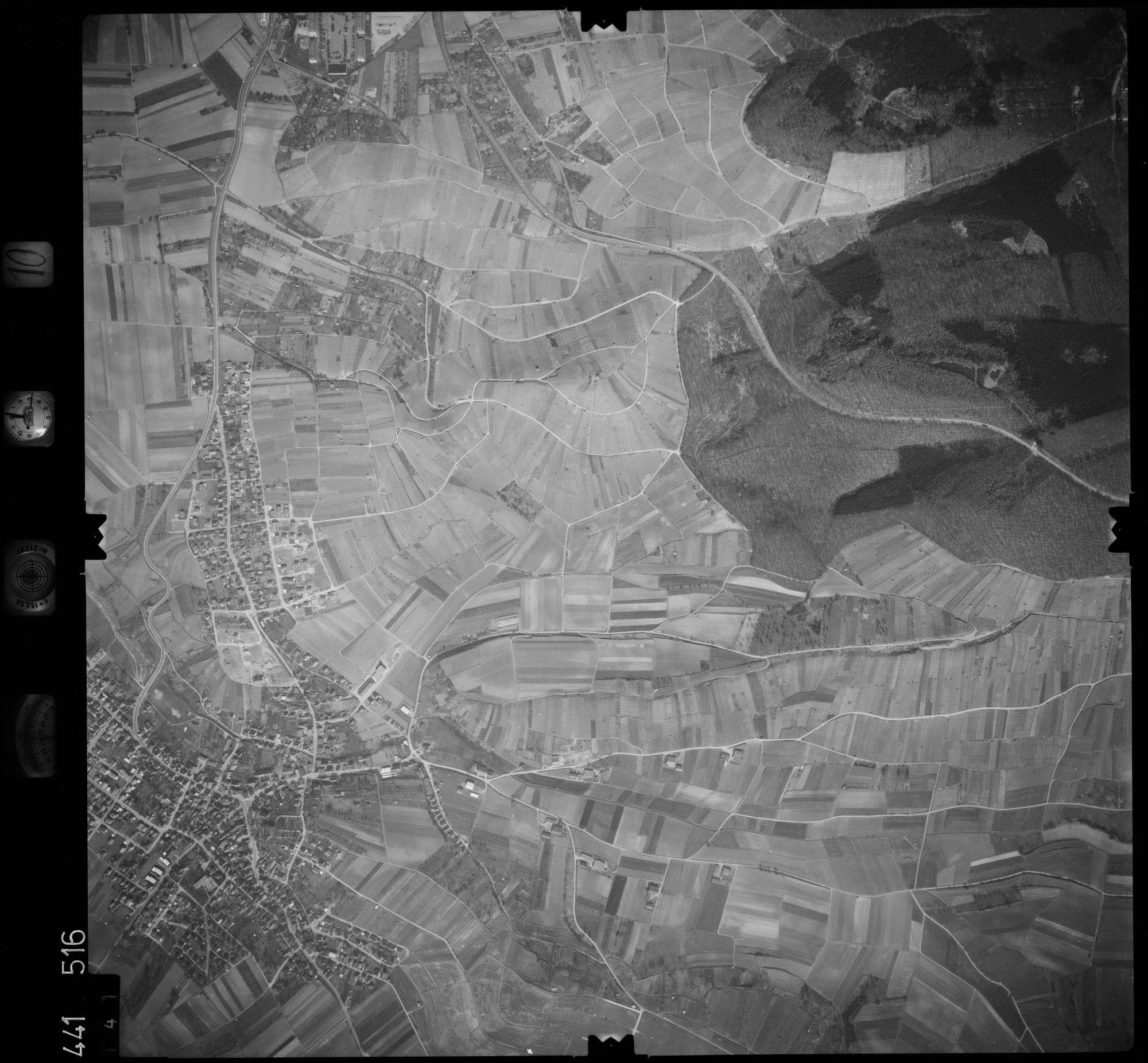 Luftbild: Film 10 Bildnr. 141, Bild 1