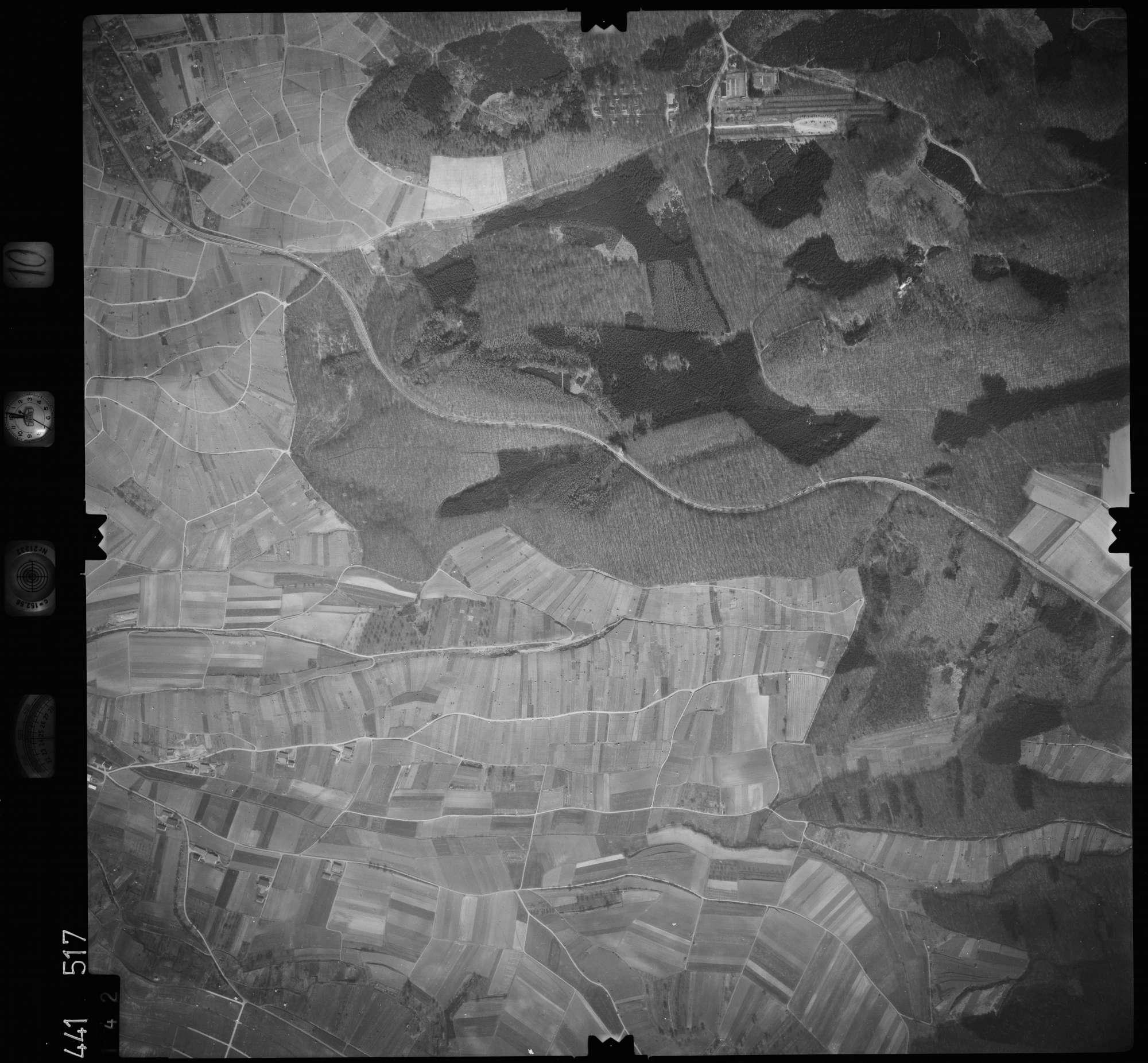 Luftbild: Film 10 Bildnr. 142, Bild 1