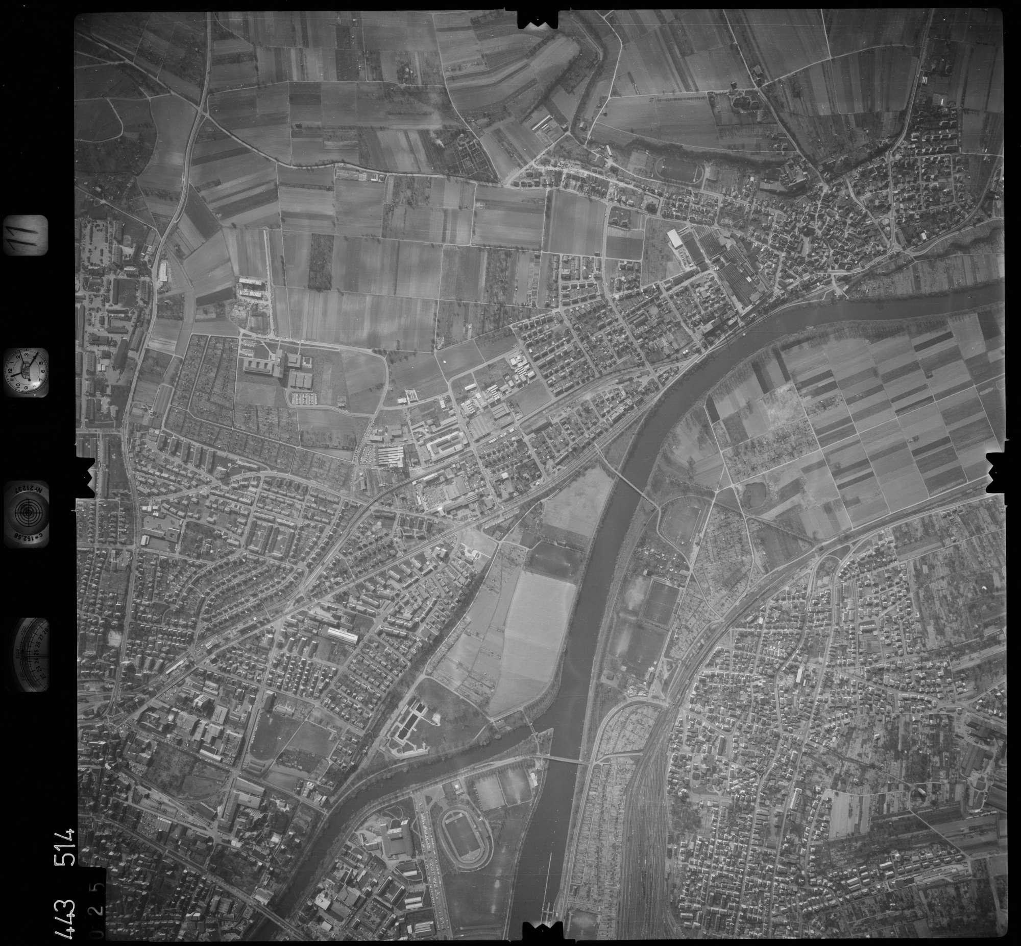 Luftbild: Film 11 Bildnr. 25, Bild 1