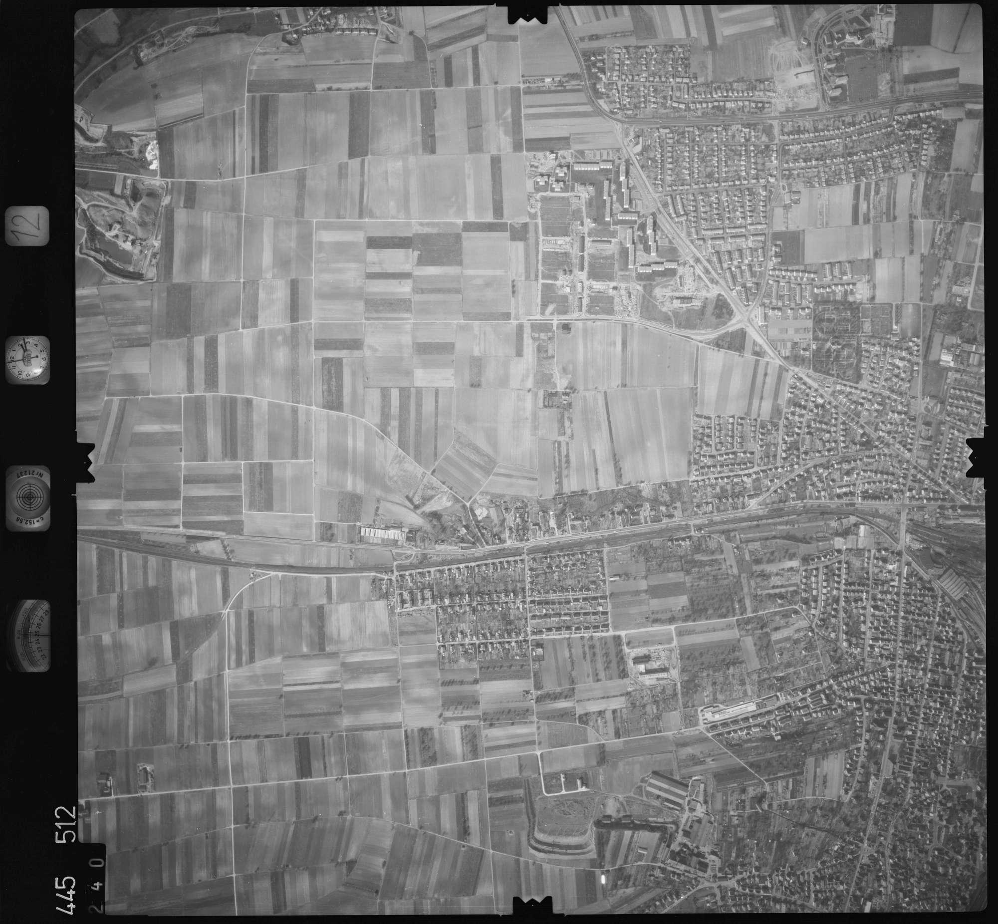 Luftbild: Film 12 Bildnr. 240, Bild 1